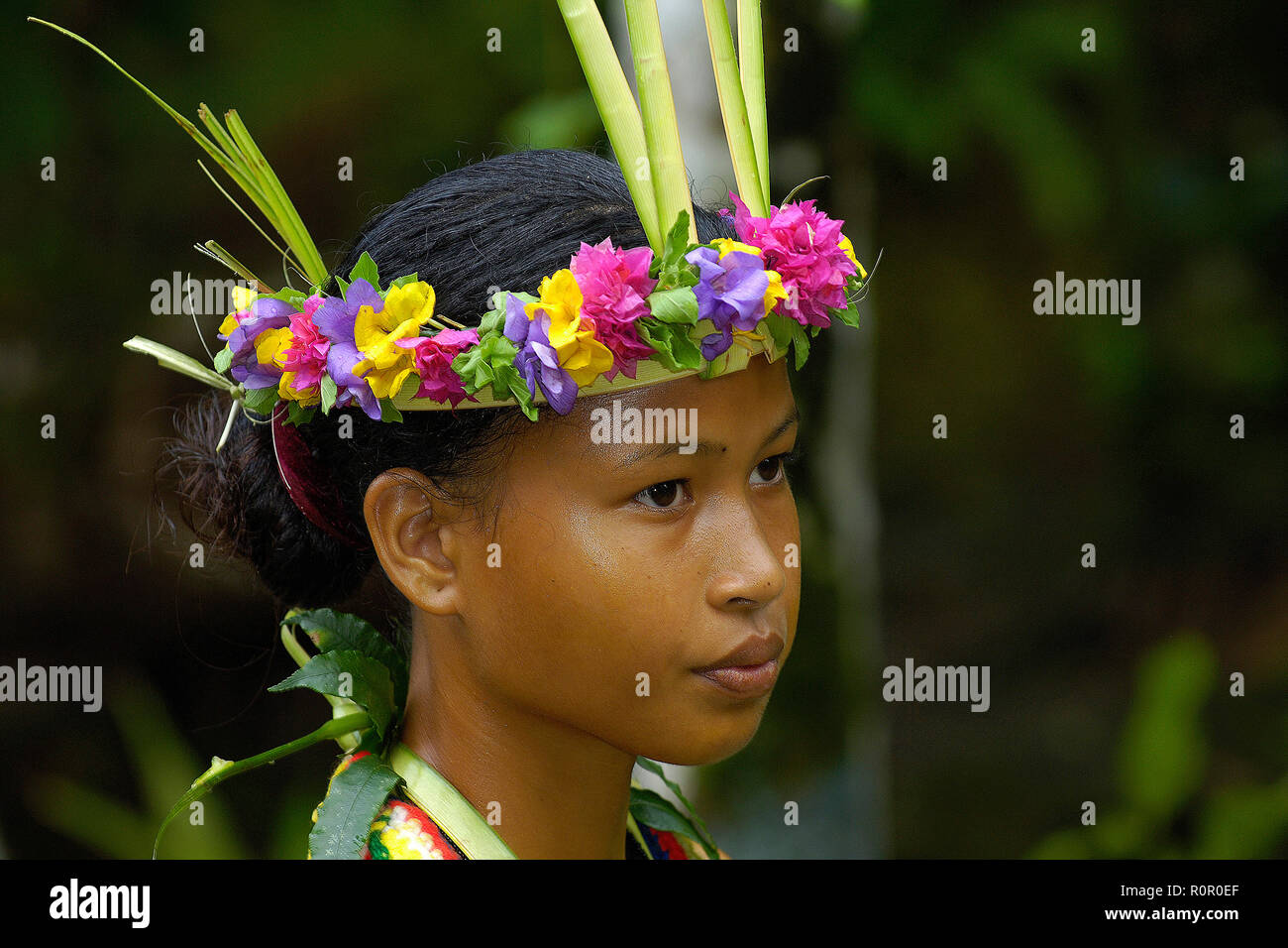 Traditionally dressed Yapese dancer with headgear, portrait, Yap, Micronesia - Stock Image