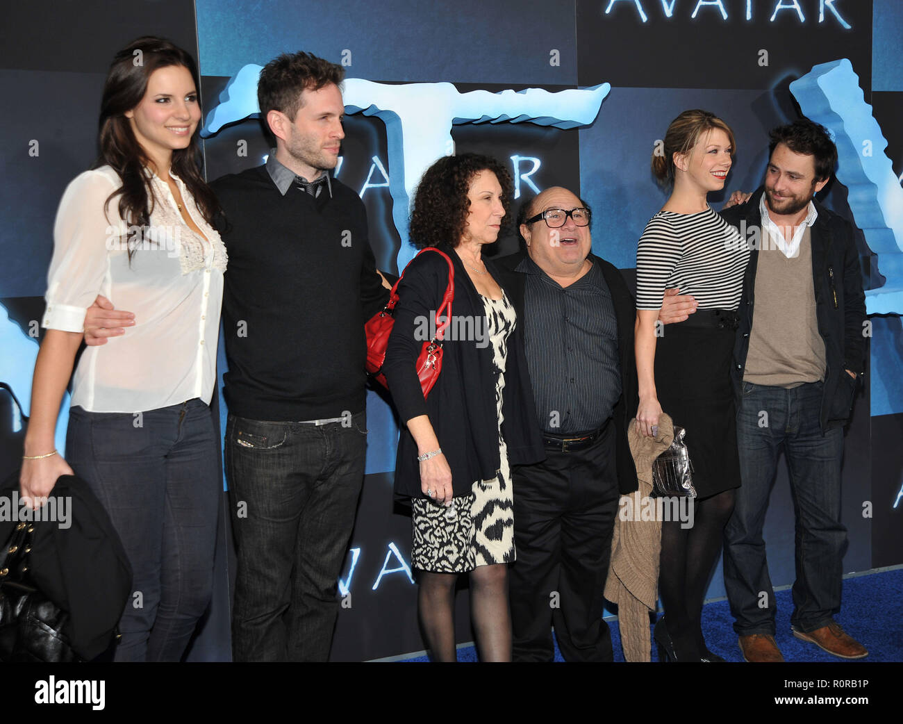 Dany DeVito _ Rhea Perlman _cast of It's always Sunny in Philadelphia _83  - Avatar Los Angeles Premiere at the Chinese Theatre In Los Angeles.        - Stock Image