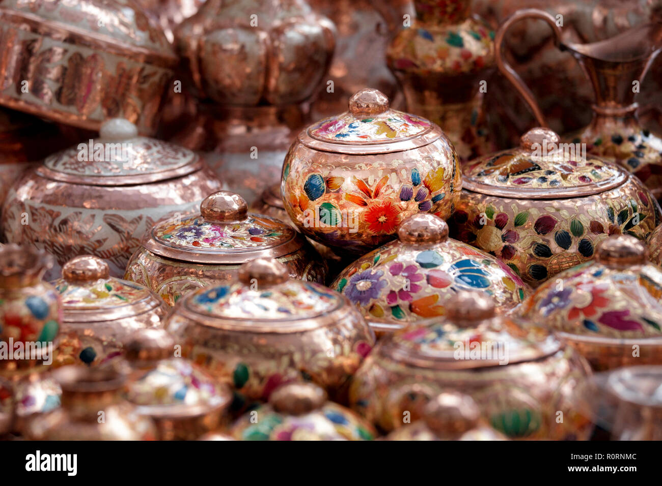 Hand painted copper pots at a market in Santa Clara del Cobre, Michoacan, Mexico. - Stock Image
