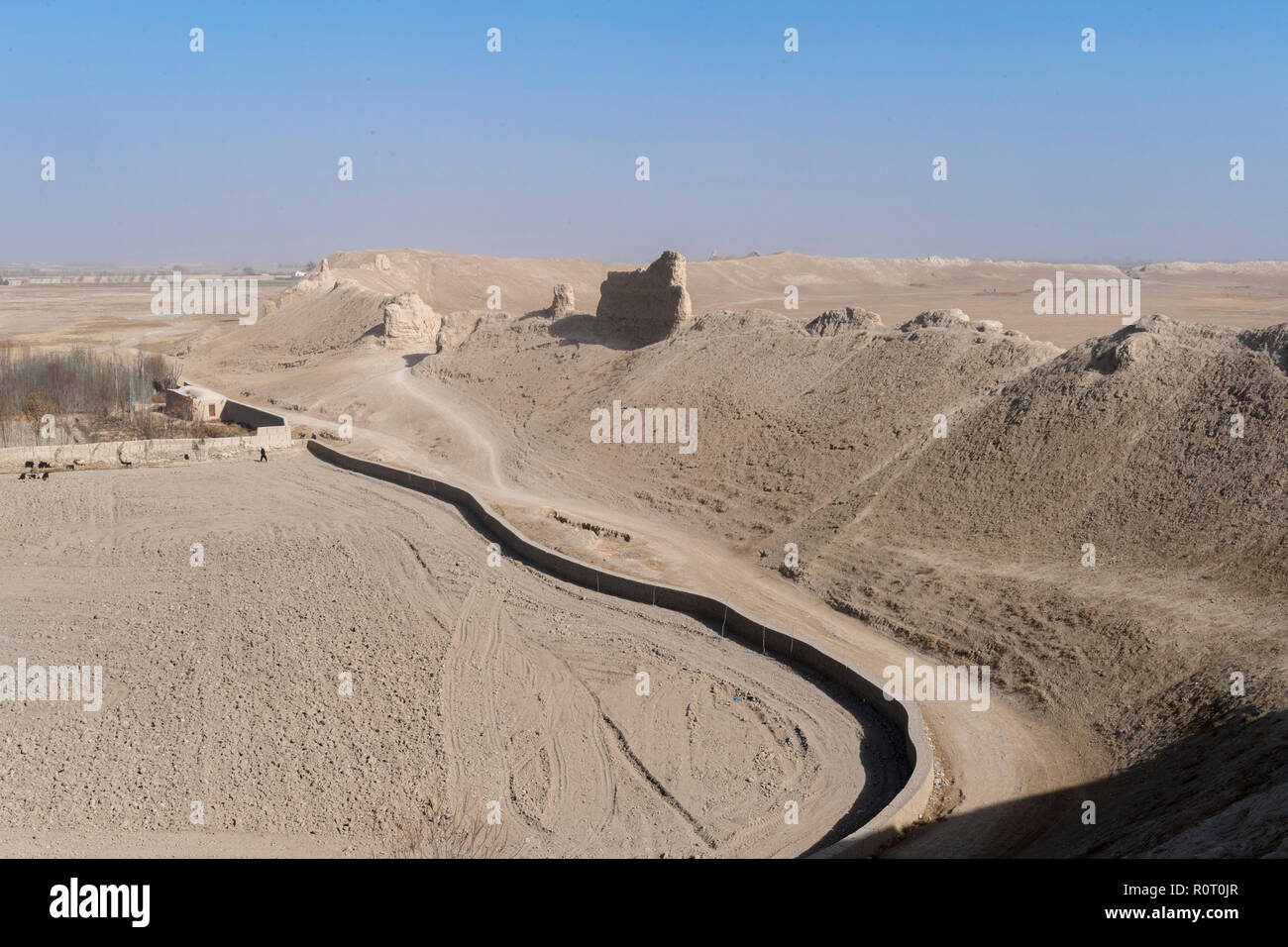 Ruins Of Historical Old Balkh City Walls And Fortifications In The Middle Of The Desert, Northern Afghanistan - Stock Image
