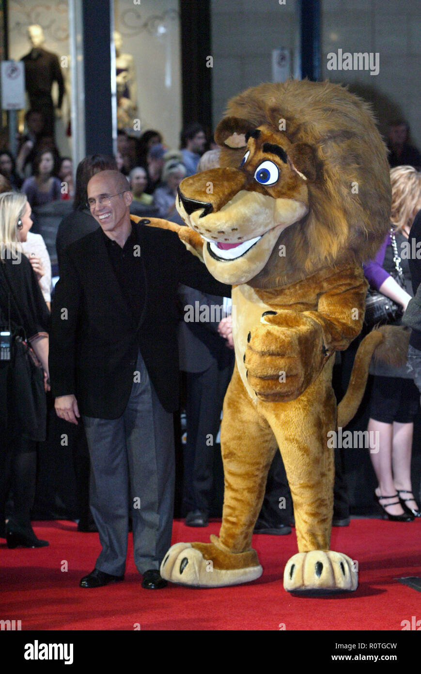 Jeffrey Katzenberg And Alex The Lion The Premiere Of Madagascar Escape 2 Africa At The State Theatre Sydney Australia 17 11 08 Stock Photo Alamy