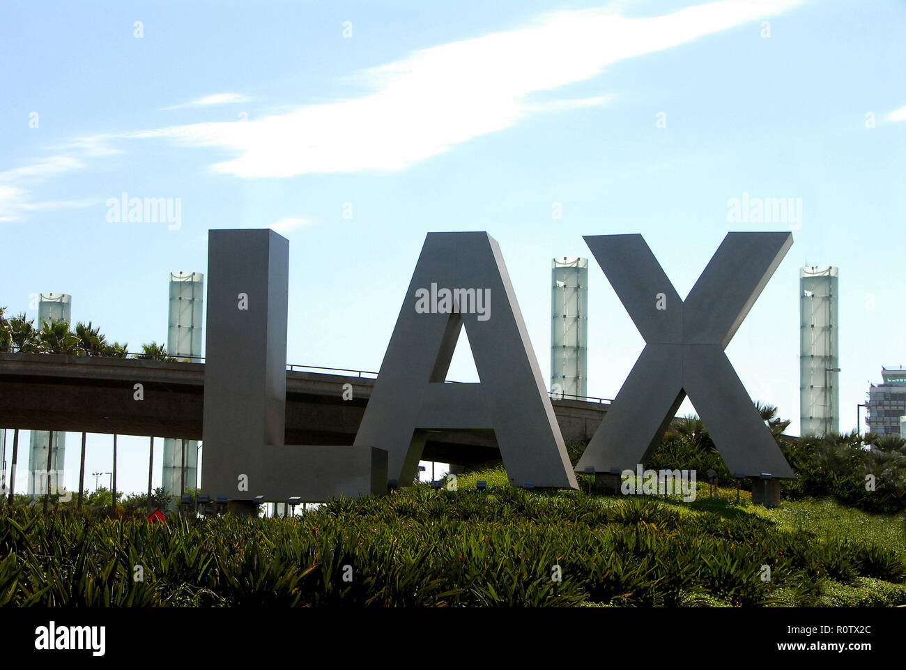 Road arriving at LAX ( Los Angeles Airport ).  August 10, 2006          -            22_LAX_entrance029.JPG22_LAX_entrance029  Event in Hollywood Life - Stock Image
