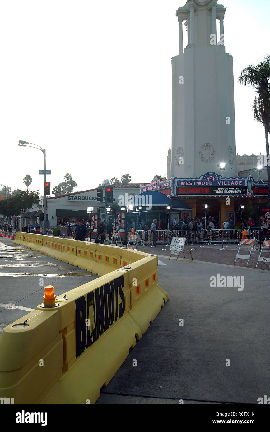 -            Bandits_&security15.jpgBandits_&security15  Event in Hollywood Life - California, Red Carpet Event, USA, Film Industry, Celebrities, Phot - Stock Image