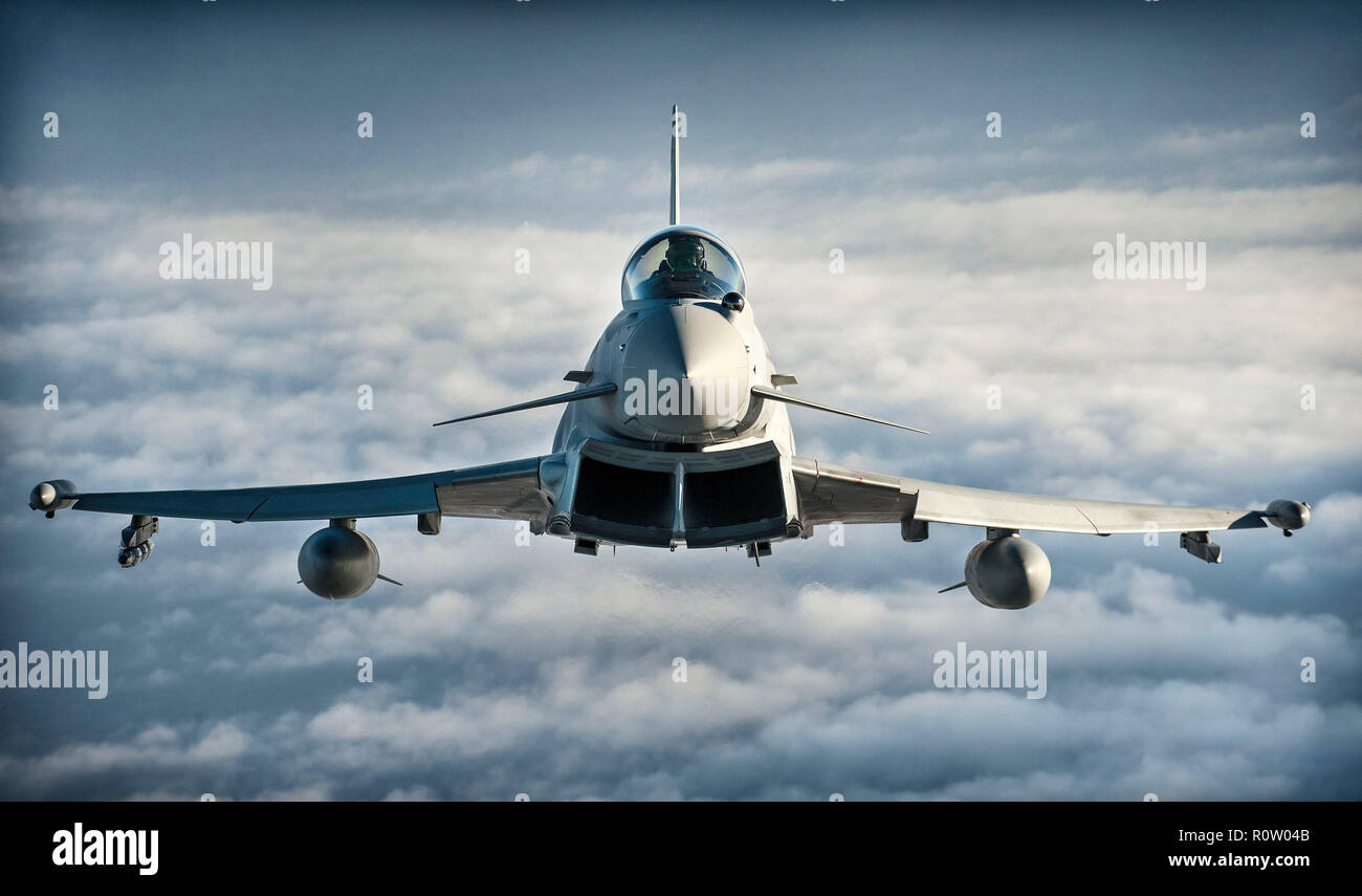 RAF EUROFIGHTER TYPHOON FGR4 of 1(F) Squadron during Exercise Capable Eagle in October 2013 combing British and French aircraft. Photo: Courtesy MOD 45156242 - Stock Image