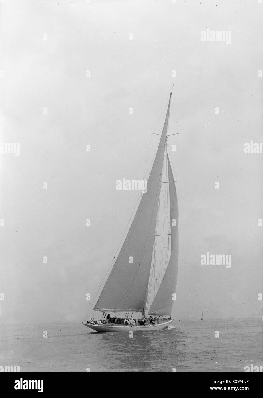 The American J-Class yacht 'Yankee', 1935. In 1935 Gerry Lambert bought the Frank Paine designed 'Yankee' to England to race against the British J-Class yachts 'Endeavour', 'Velsheda', 'Candida', 'Astra' and 'Shamrock V'. She took eight first-place finishes in 32 races. - Stock Image
