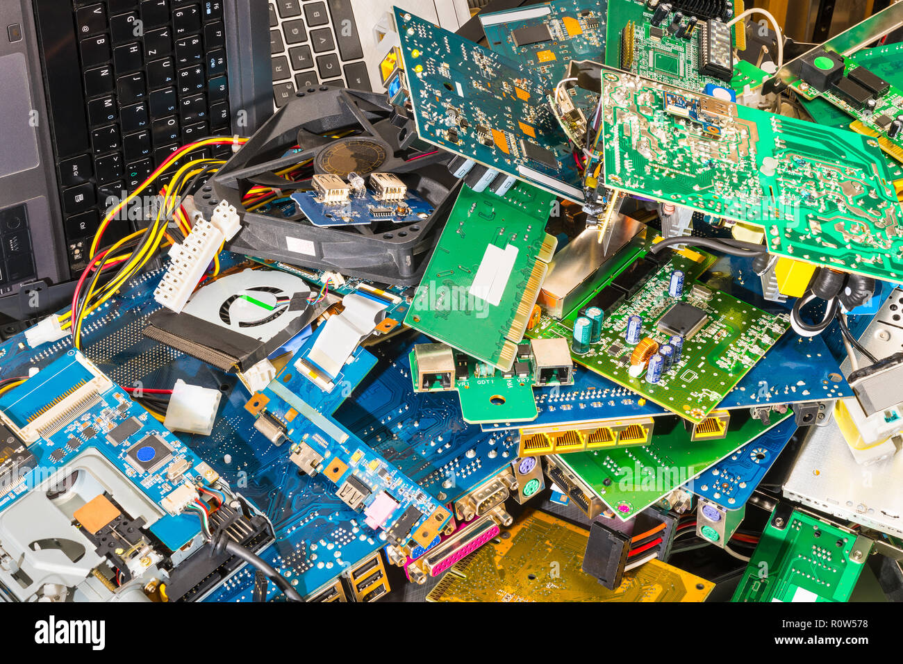 Electronic Waste Stock Photos Images Alamy Circuit Board Recycling Machine Pcb E Pile From Discarded Laptop Parts Connectors Notebook Keyboards