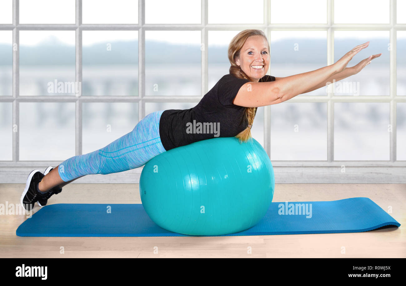 sport retiree pensioner ball exercise age fit - Stock Image