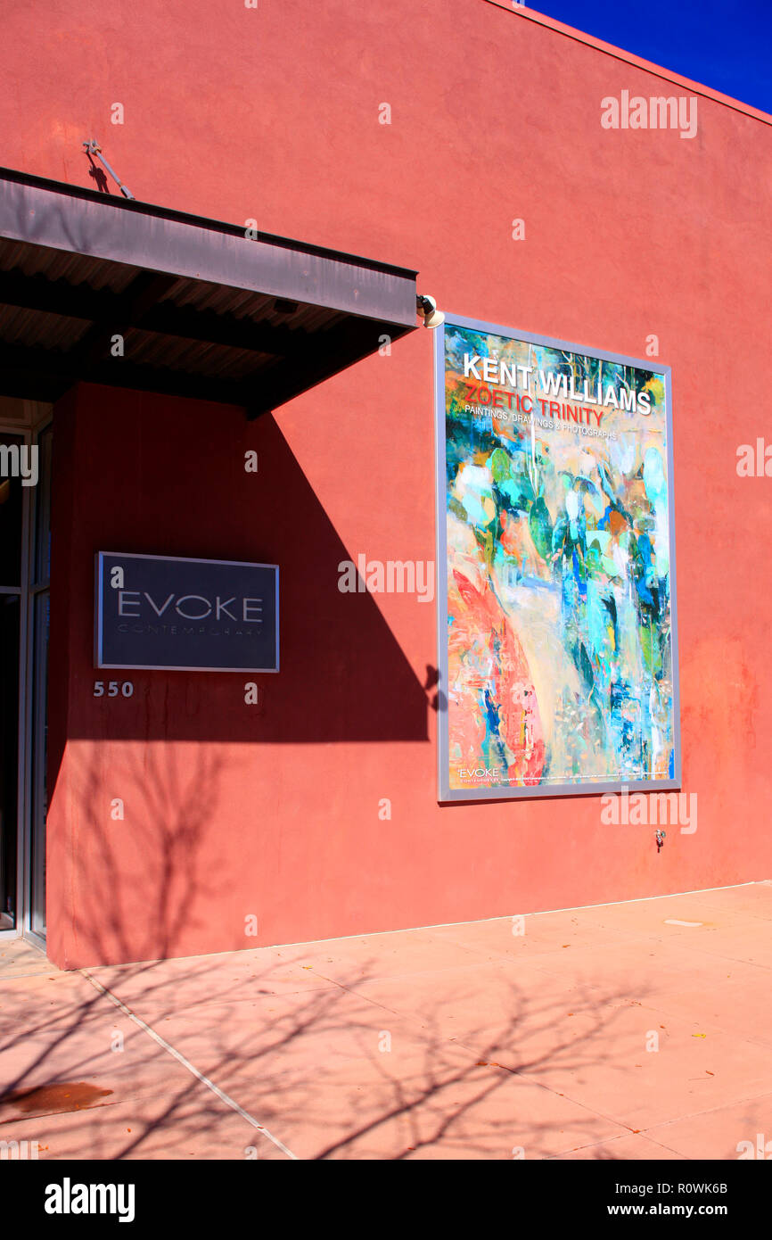 EVOKE art gallery building in the railyard art district of Santa Fe, New Mexico - Stock Image