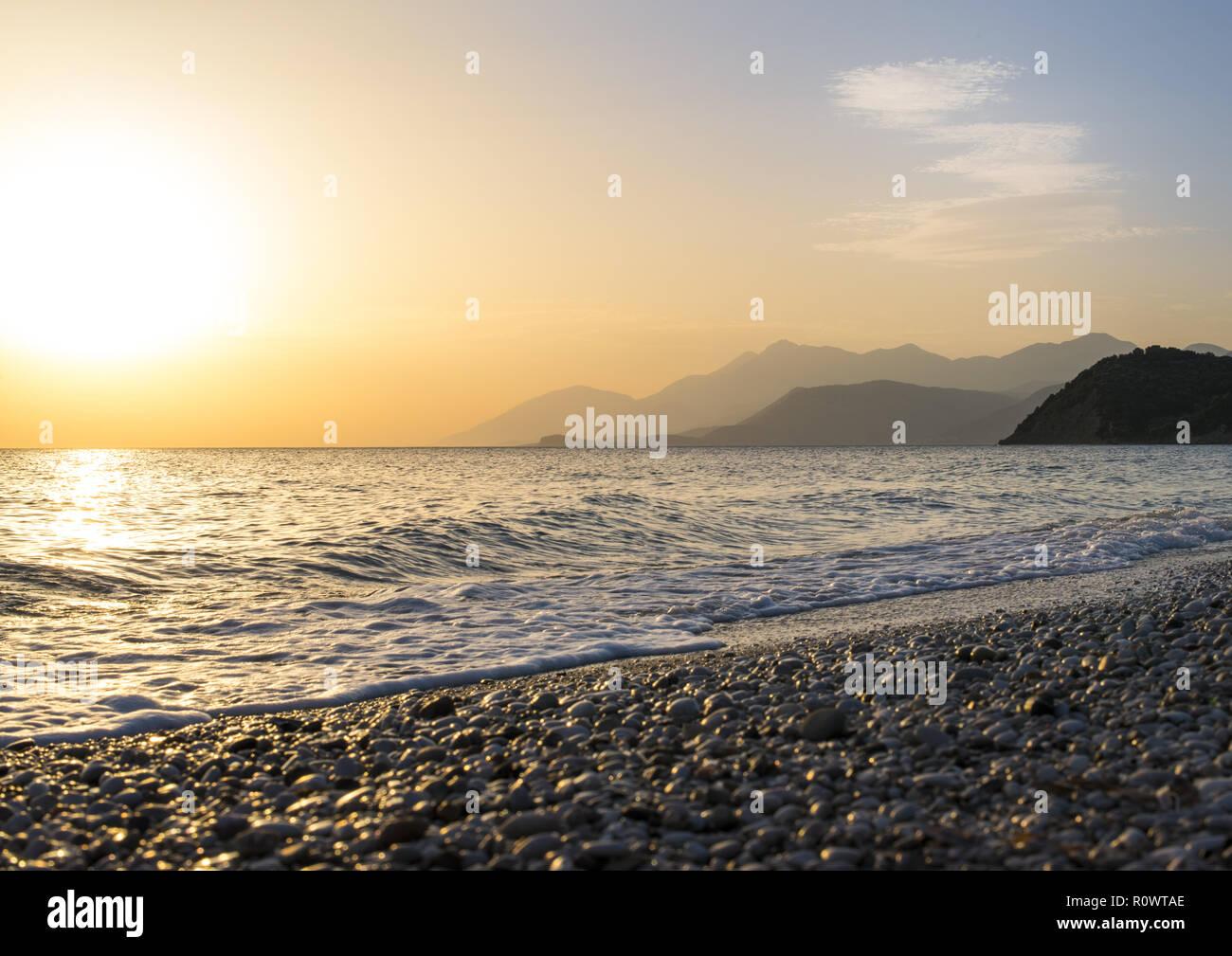 Sonnenuntergang am Strand, Lukova, Albanien - Stock Image