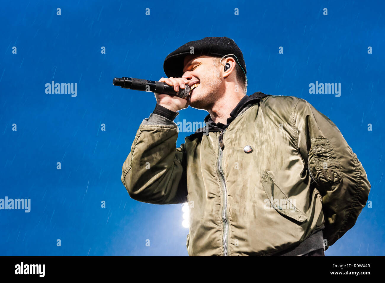 Al Barr, lead singer with the Dropkick Murphys, performing at a Fenway Park concert. - Stock Image