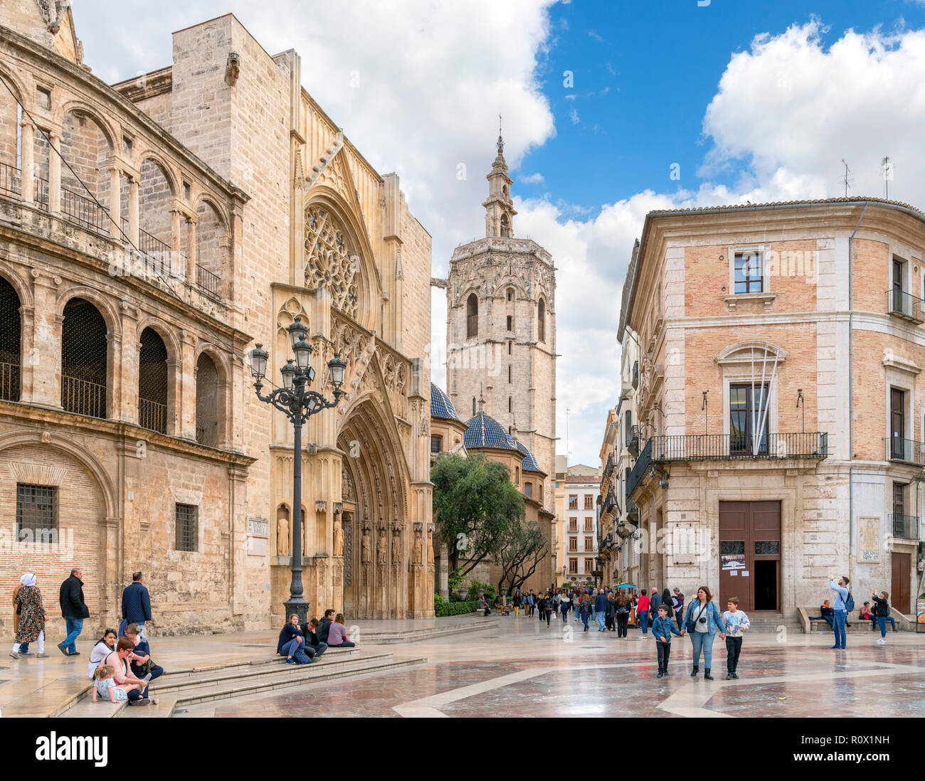 Miguelete Tower and Valencia Cathedral from Placa de la Mare de Deu (Plaza de la Virgen), Valencia, Spain Stock Photo