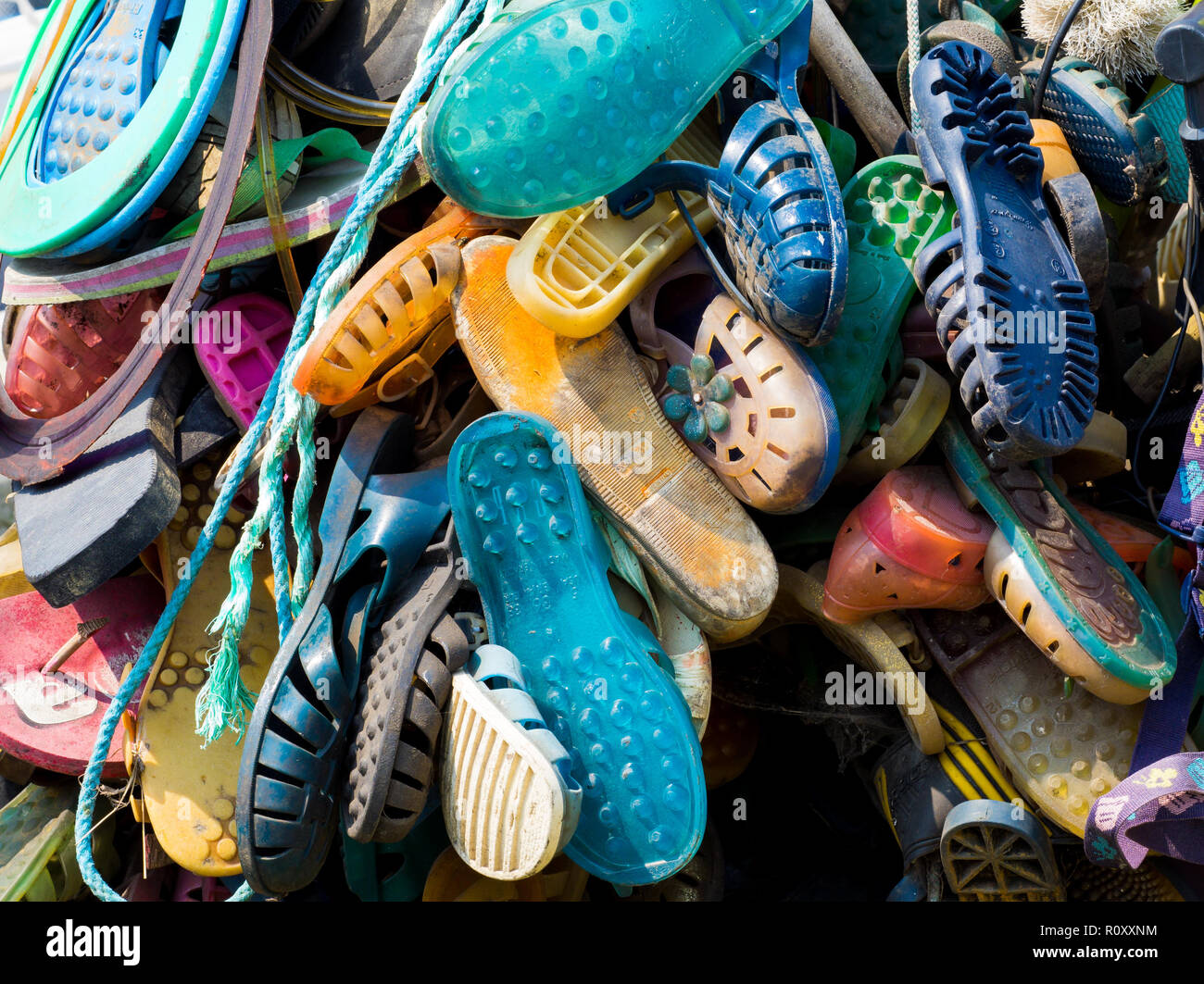 Discard beach debris - Stock Image