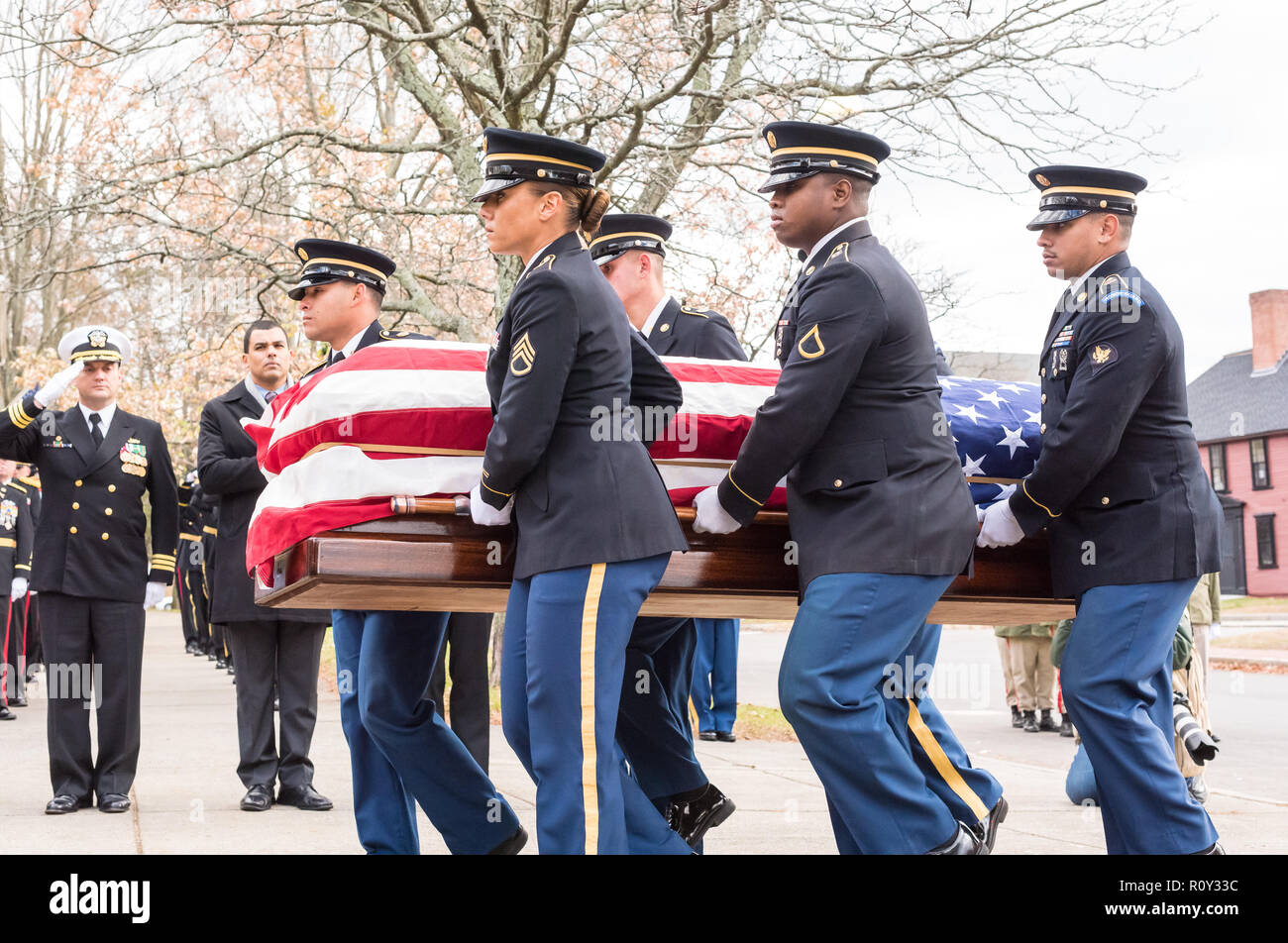Military Funeral Honors Team of the Massachusetts Army National Guard carries the flag draped coffin of Medal of Honor recipient Capt. Thomas Hudner. - Stock Image