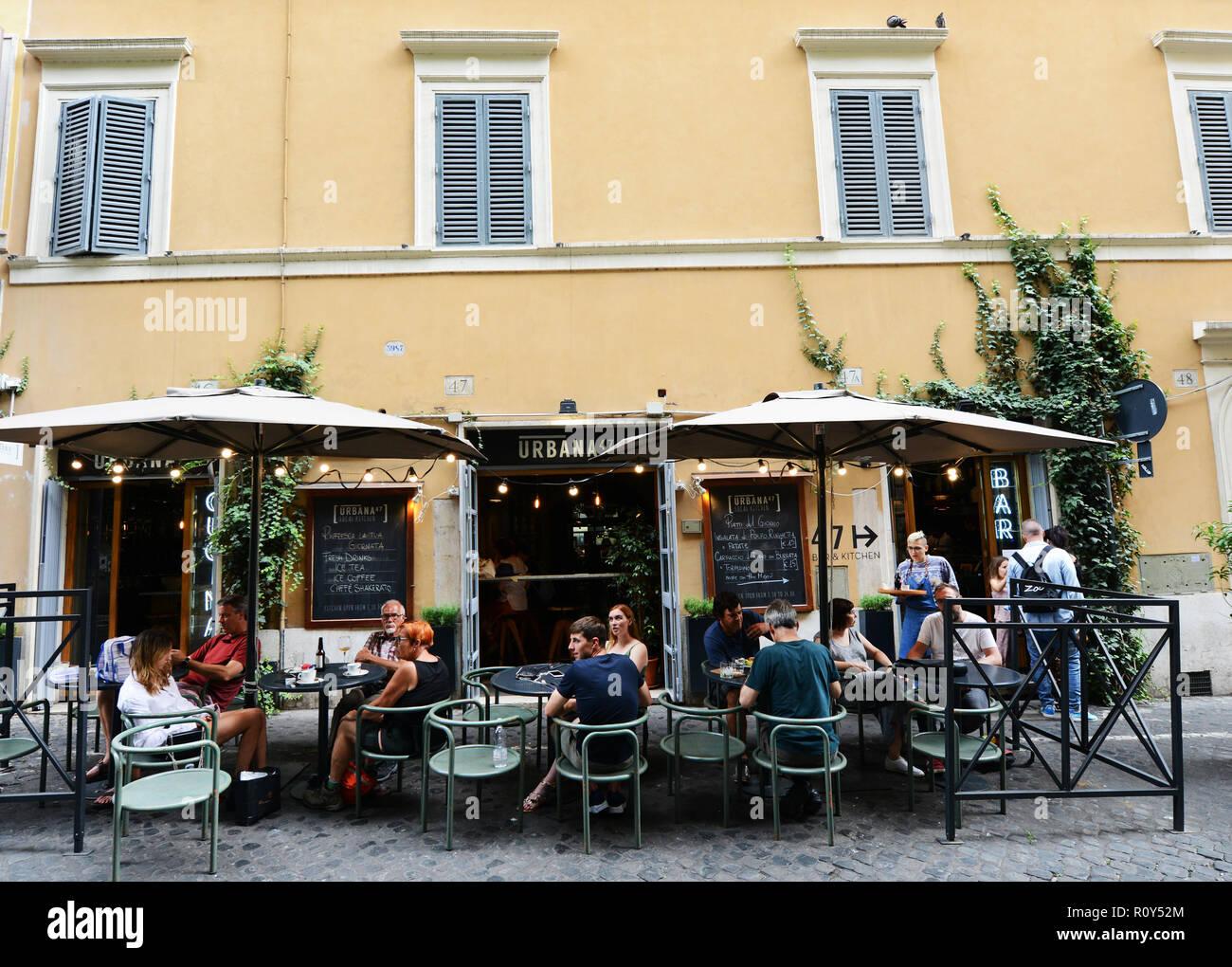 The vibrant Via Urbana in Monti, Rome. - Stock Image