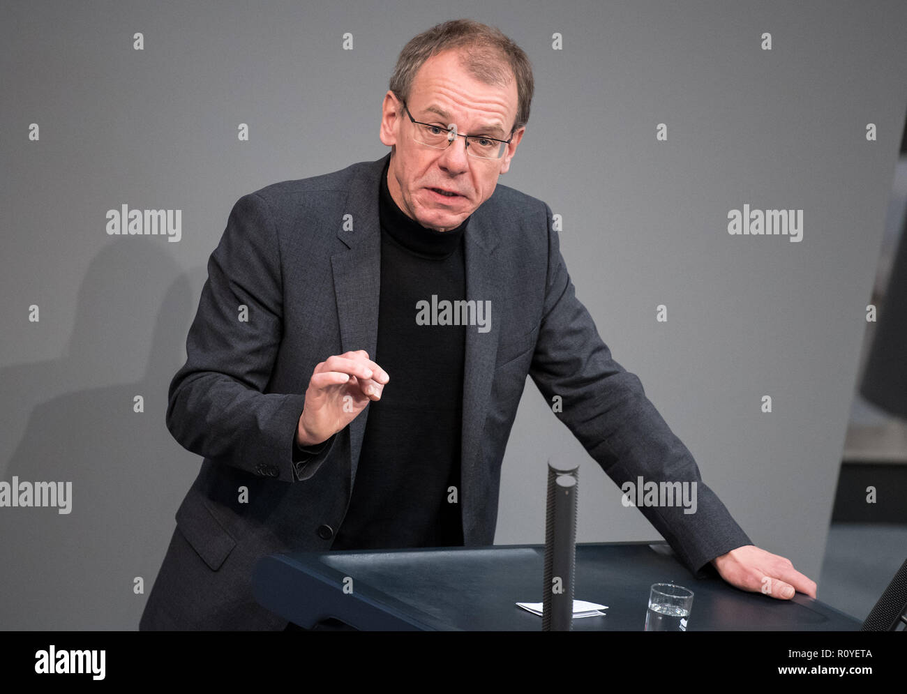 Berlin, Germany. 08th Nov, 2018. Markus Kurth (Bündnis 90/Die Grünen) speaks during the plenary session in the German Bundestag. Topics of the 61st session of the 19th legislative period include the pension package introduced by the Federal Government, additional safe countries of origin, tax relief for families, changes in asylum law, accelerated traffic planning and a current hour on the INF (Intermediate Range Nuclear Forces) nuclear disarmament treaty. Credit: Bernd von Jutrczenka/dpa/Alamy Live News - Stock Image