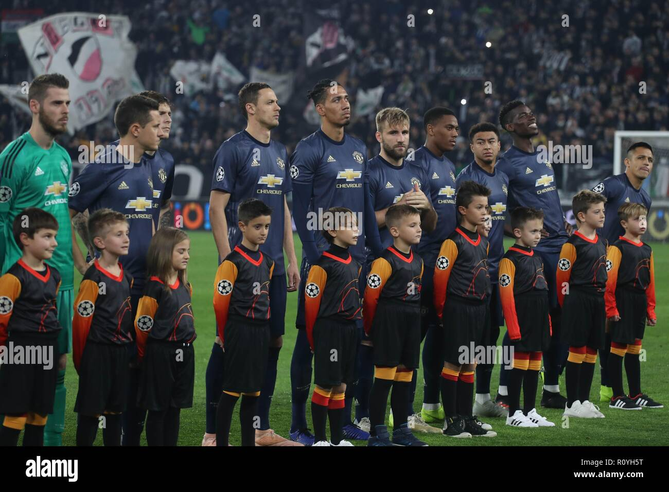 juventus team group high resolution stock photography and images alamy https www alamy com turin italy 7th november 2018 team manchester united during the uefa champions league group h football match between juventus and manchester united on november 7 2018 at juventus stadium in turin italy photo laurent lairys dppi credit laurent lairysagence locevaphotosalamy live news image224340980 html