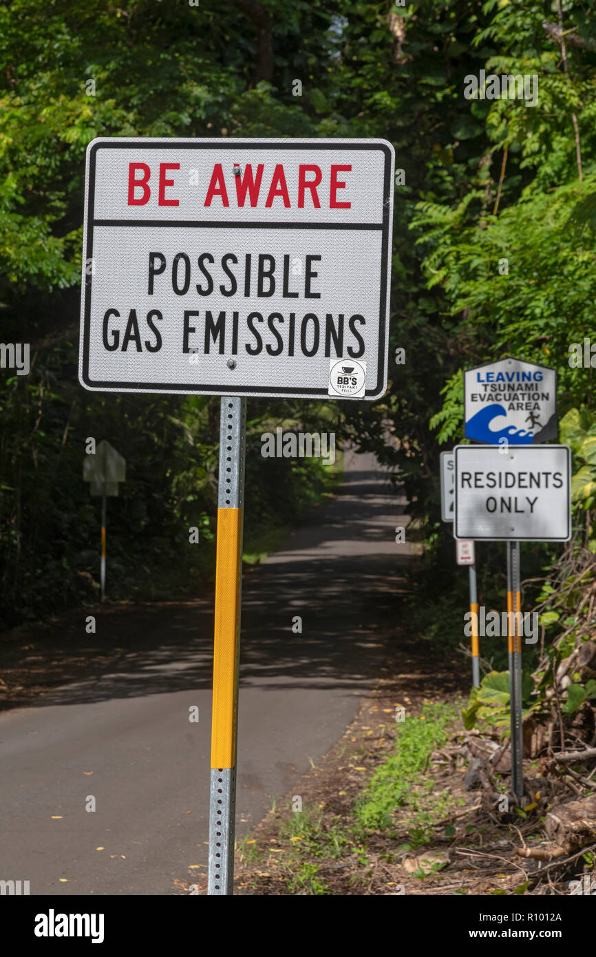 Pahoa, Hawaii - A sign near the lava flow from the 2018 eruption of the Kilauea volcano warns residents of possible dangerous gas emissions. - Stock Image