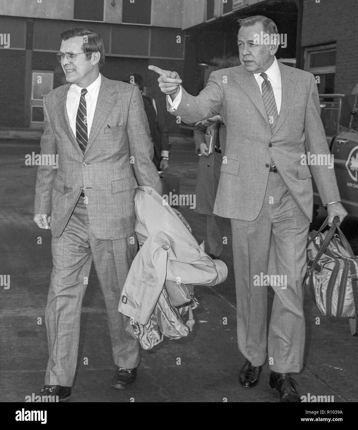 U.S. Politicians Donald Rumsfeld and Charles Price on a visit to London in 1980 - Stock Image