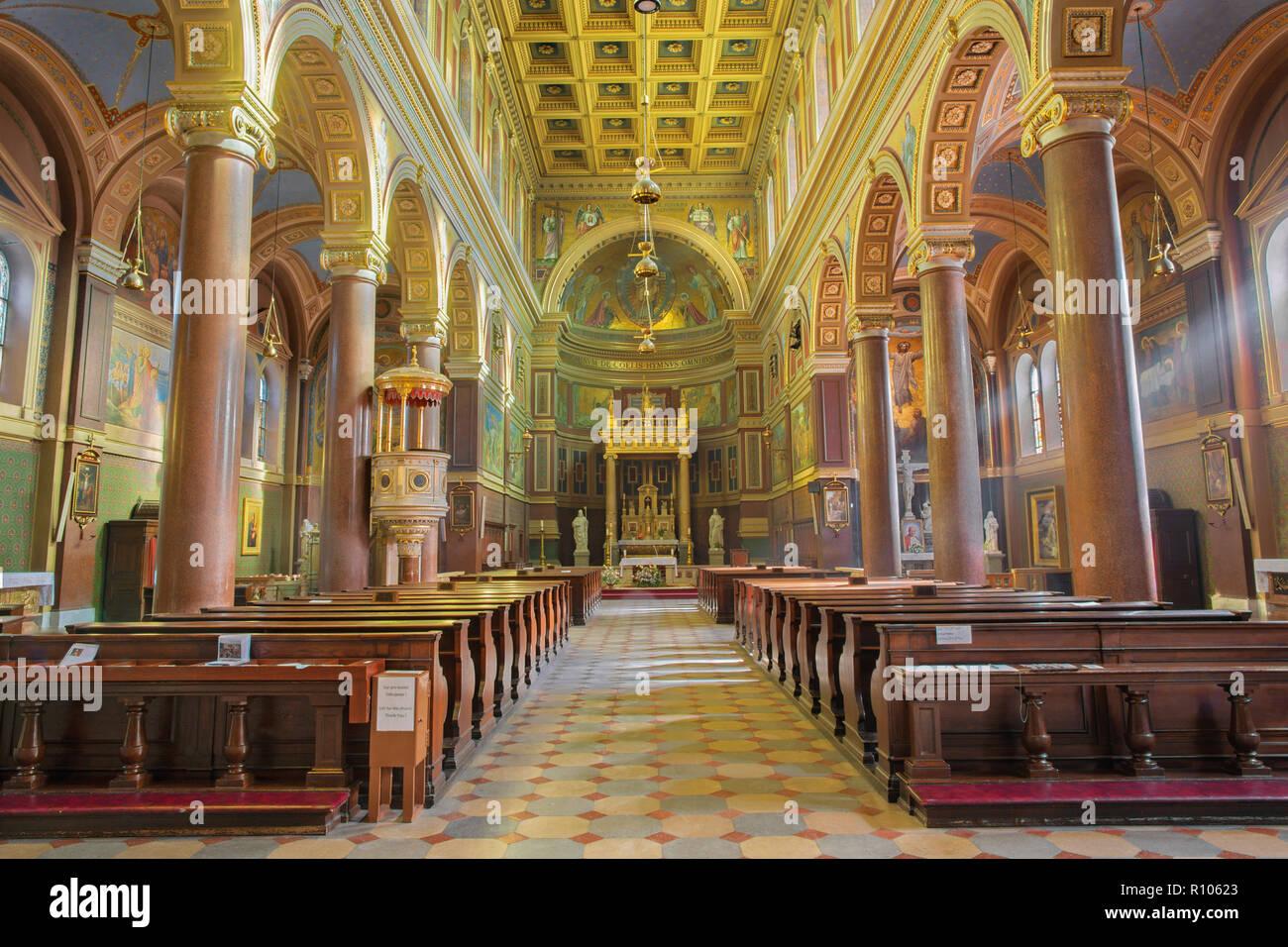 PRAGUE, CZECH REPUBLIC - OCTOBER 13, 2018: The nave of church kostel Svatého Václava. Stock Photo