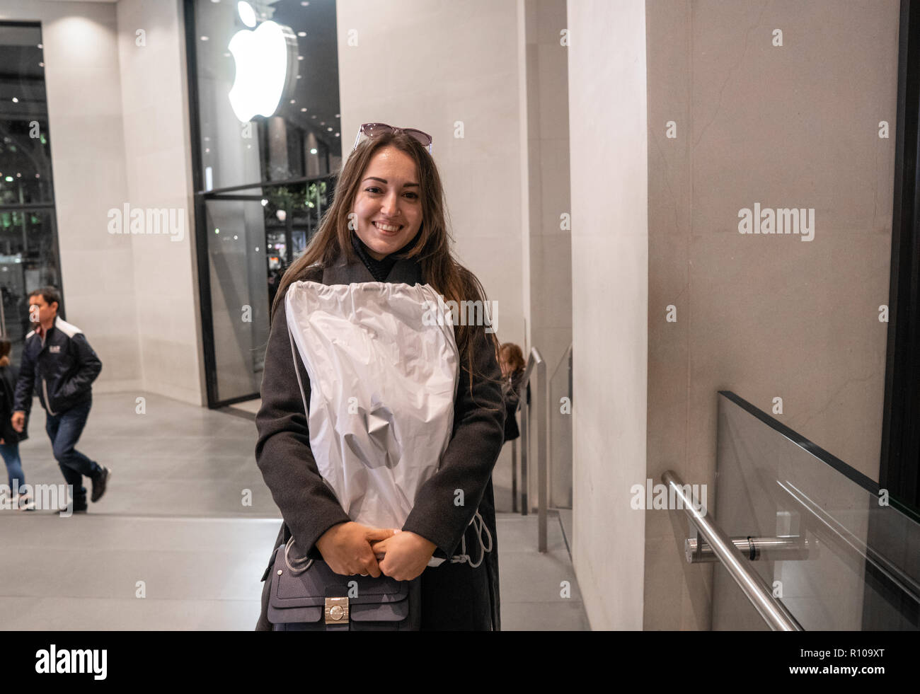 Barcelona, Spain - November 07, 2018: Woman holding a new iPad Pro - Stock Image