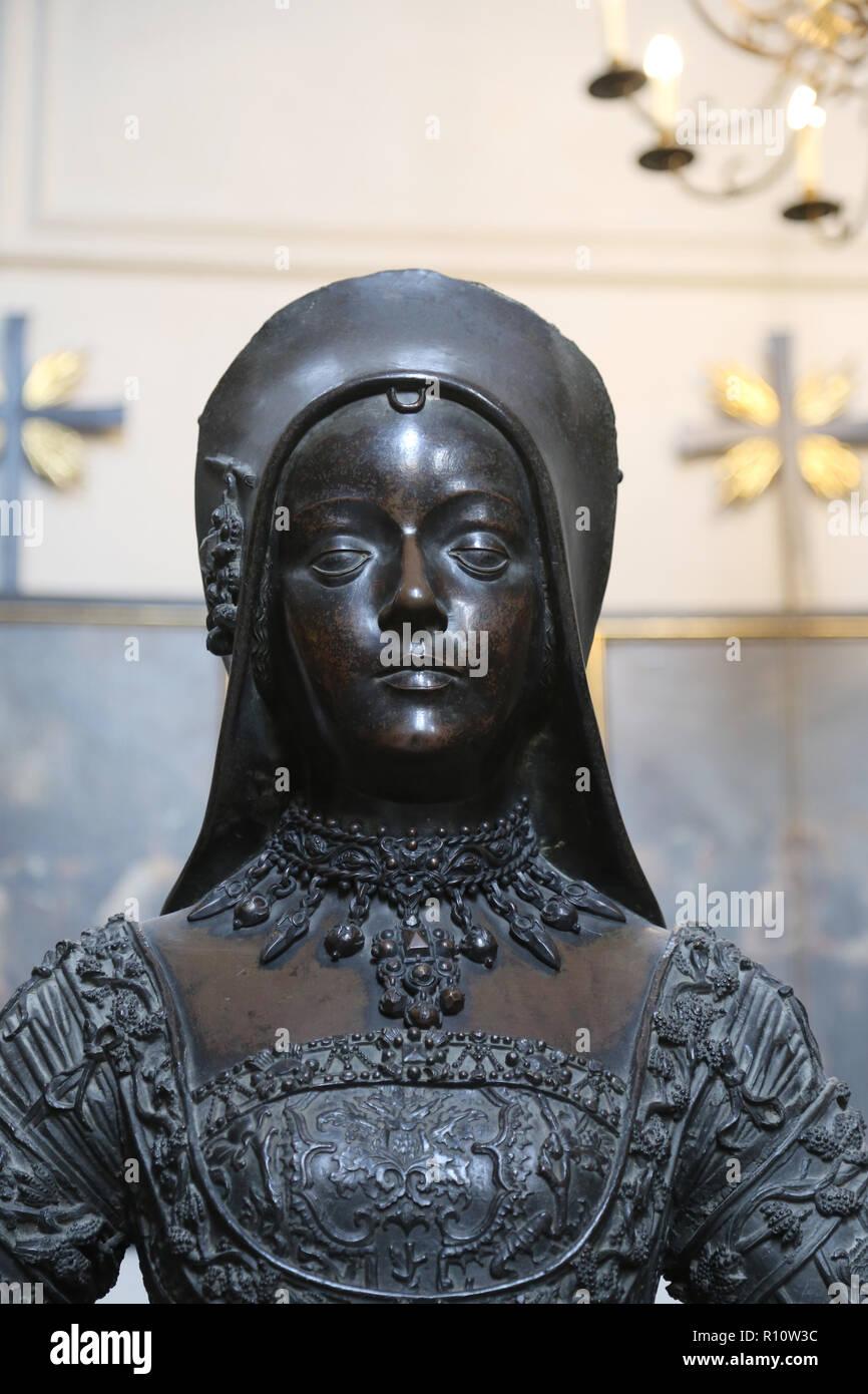 Mary, Duchess of Burgundy (1457-1482). Statue, 1513/16 By  Gilg Sesselschreiber. Tomb of Maximilian I. Innsbruck. Austria. - Stock Image