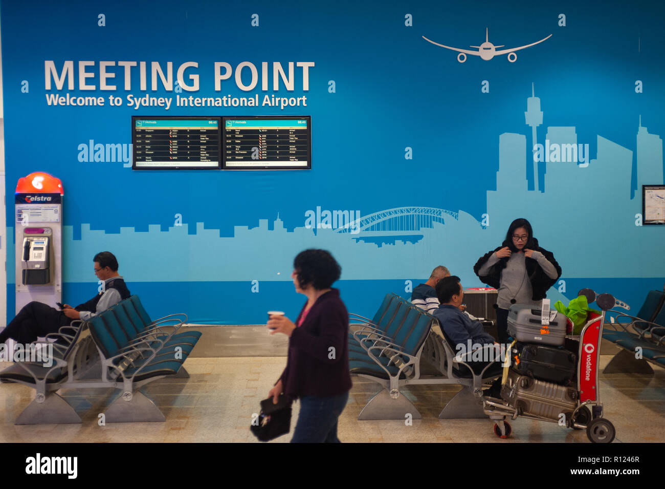 04.05.2018, Sydney, New South Wales, Australia - Passengers are waiting in the arrival area at Sydney's International Airport Kingsford Smith. - Stock Image