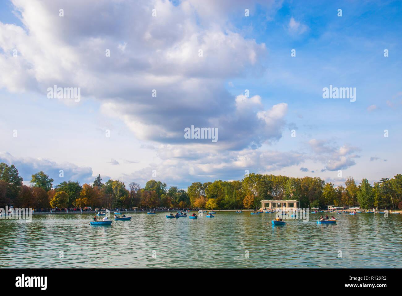 Pond. The Retiro park, Madrid, Spain. - Stock Image