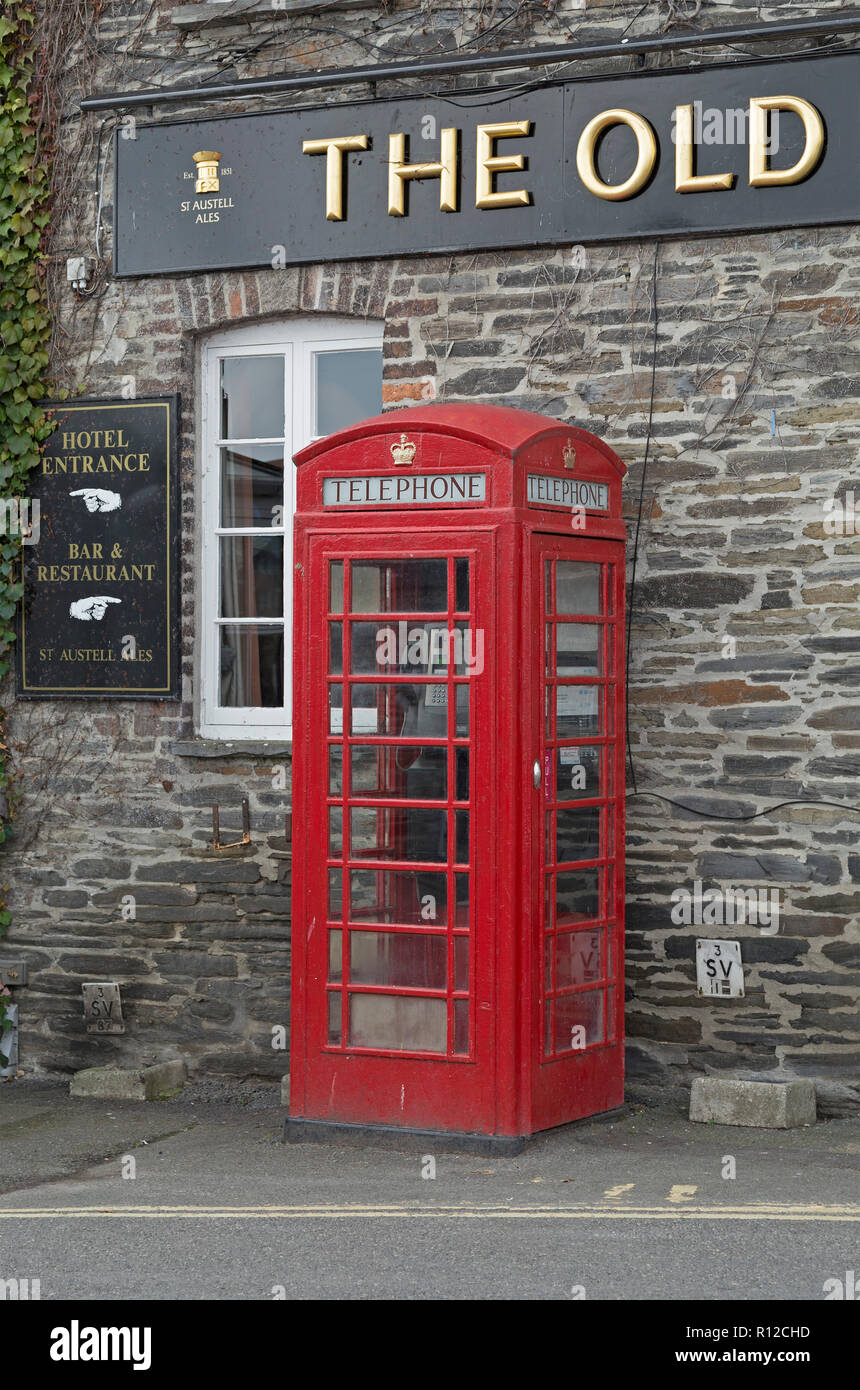 traditional telephone booth, Padstow, Cornwall, England, Great Britain - Stock Image