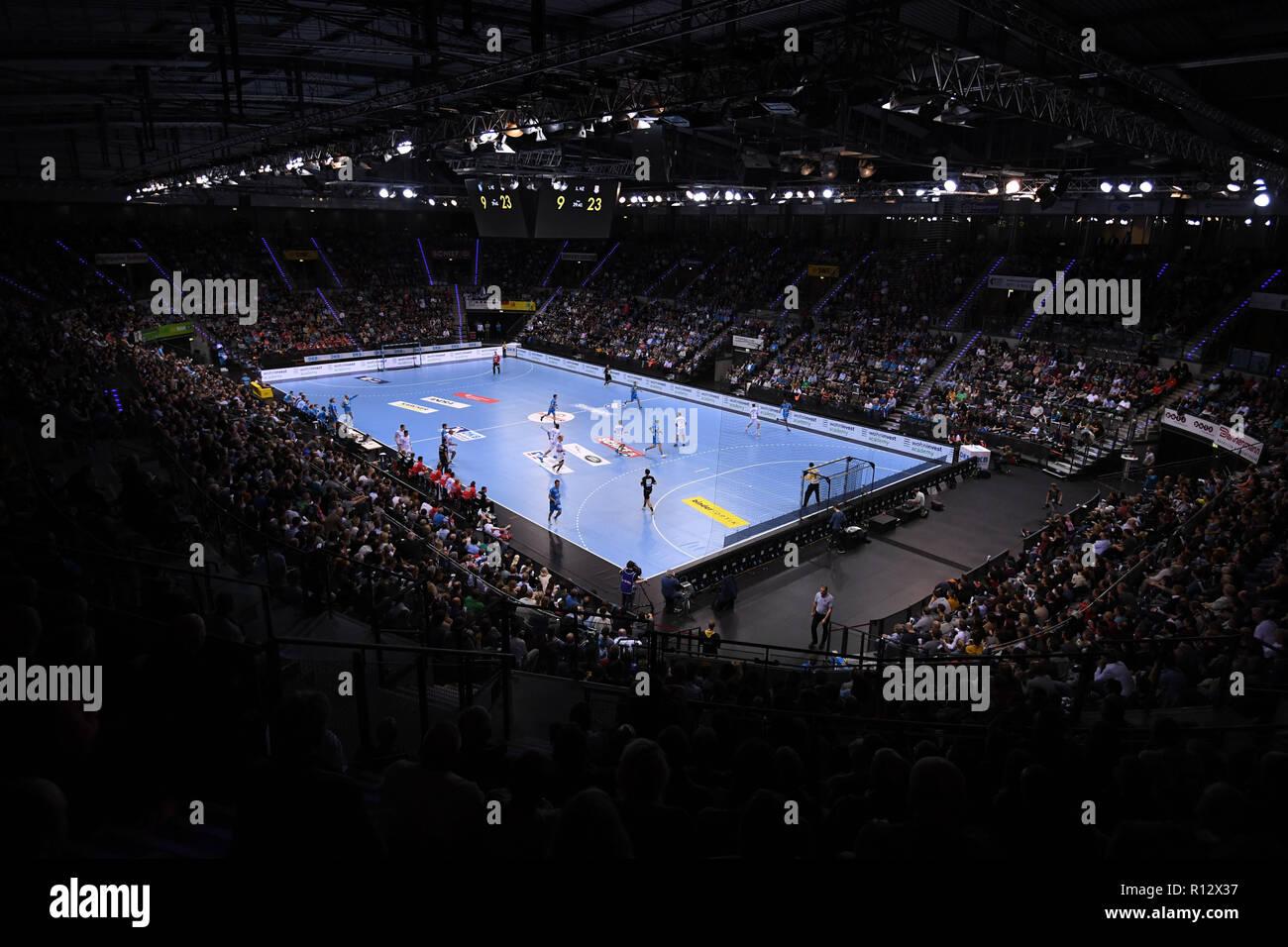 Stuttgart, Germany. 08th Nov, 2018. Handball: Bundesliga, TVB Stuttgart - SC Magdeburg, 12th matchday in the Porsche Arena. Hall overview. Credit: Marijan Murat/dpa/Alamy Live News - Stock Image