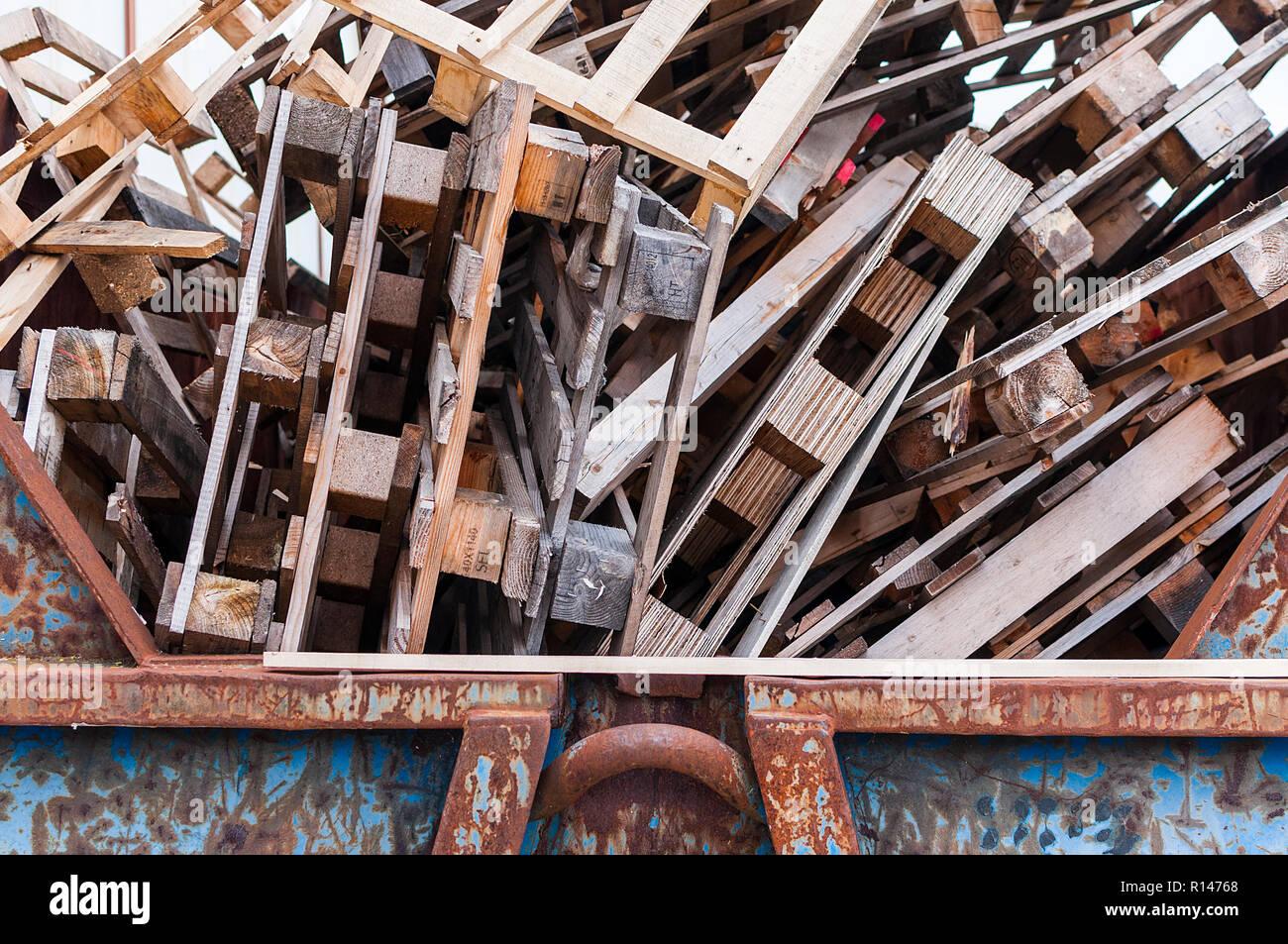 pallets thrown away - Stock Image