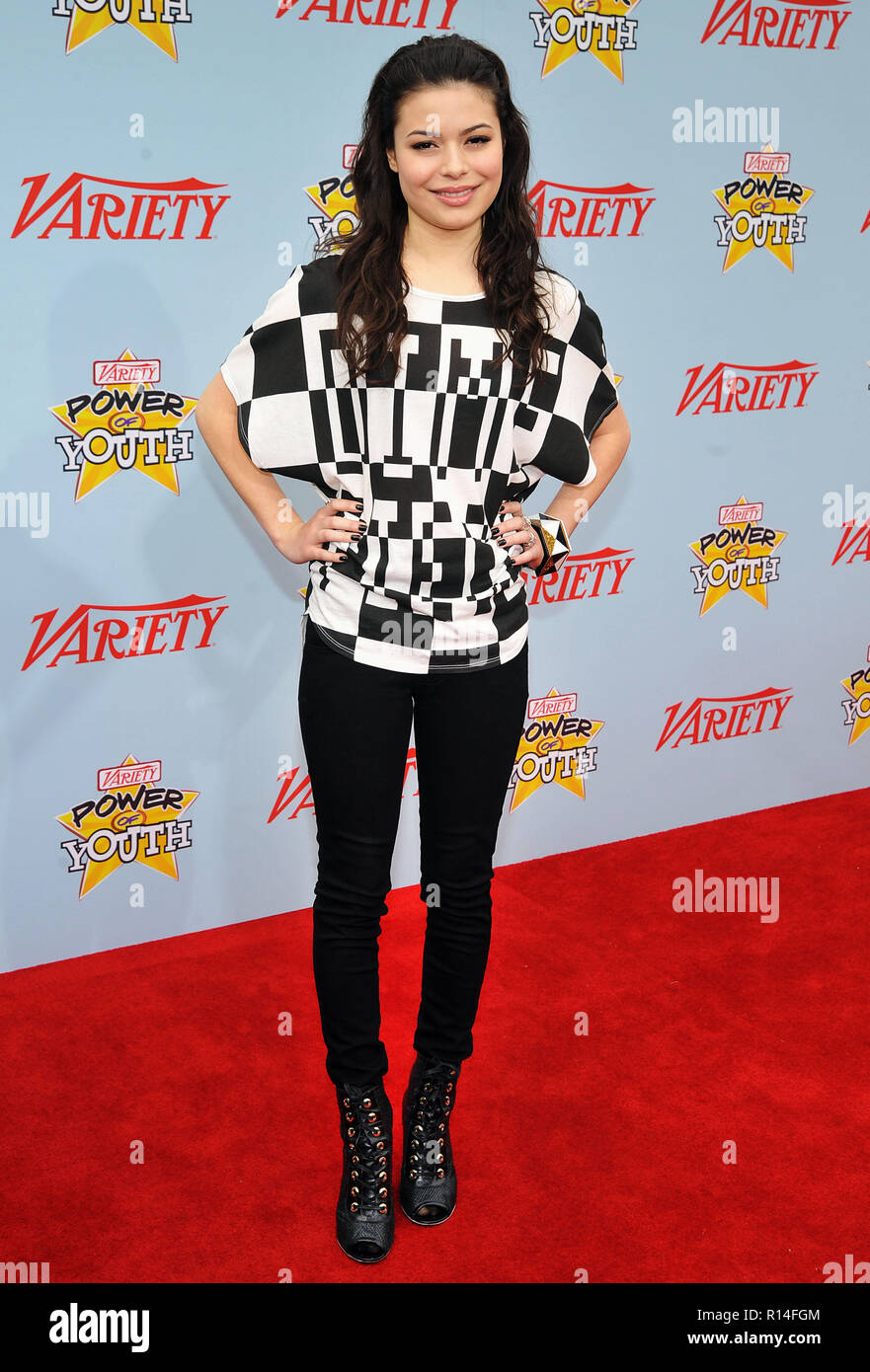 Miranda Cosgrove_49 - Power Of Youth Event on the Paramount Lot In Los Angeles.Miranda Cosgrove_49 Red Carpet Event, Vertical, USA, Film Industry, Celebrities,  Photography, Bestof, Arts Culture and Entertainment, Topix Celebrities fashion /  Vertical, Best of, Event in Hollywood Life - California,  Red Carpet and backstage, USA, Film Industry, Celebrities,  movie celebrities, TV celebrities, Music celebrities, Photography, Bestof, Arts Culture and Entertainment,  Topix, vertical, one person,, from the year , 2009, inquiry tsuni@Gamma-USA.com Fashion - Full Length - Stock Image
