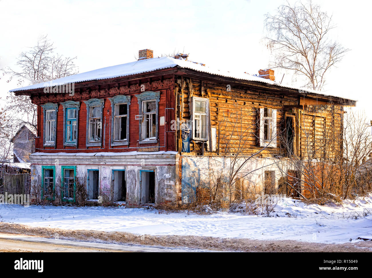 the broken Old merchant house in Russia - Stock Image