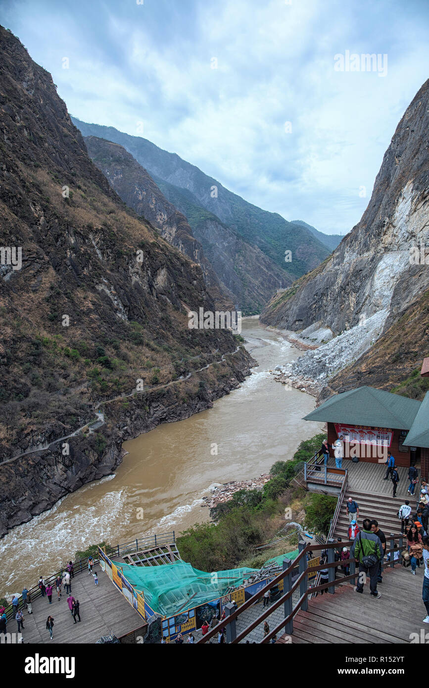 Tiger leaping gorge said to be the one of the deepest and most dramatic gorges in the World stretching for 16km long. - Stock Image