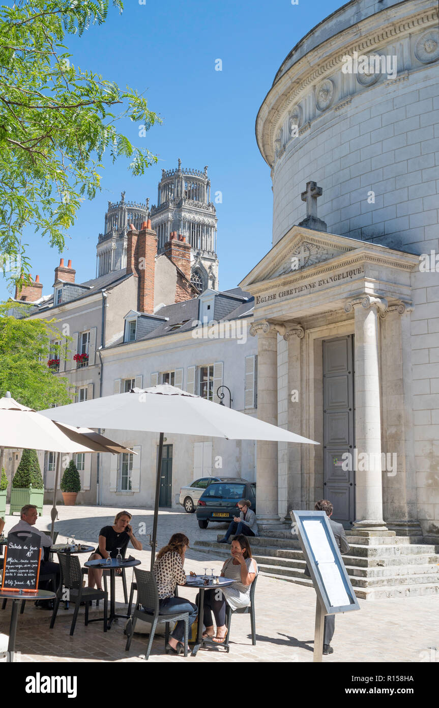e5f5d43c4c People sitting at restaurant outside the Protestant Temple of Orleans
