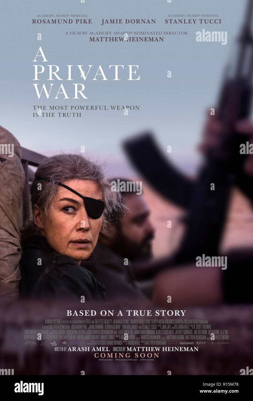 Prod DB © Acacia Filmed Entertainment - Thunder Road Pictures / DR A PRIVATE WAR de Matthew Heineman 2018 USA/GB affiche americaine Rosamund Pike Jami - Stock Image