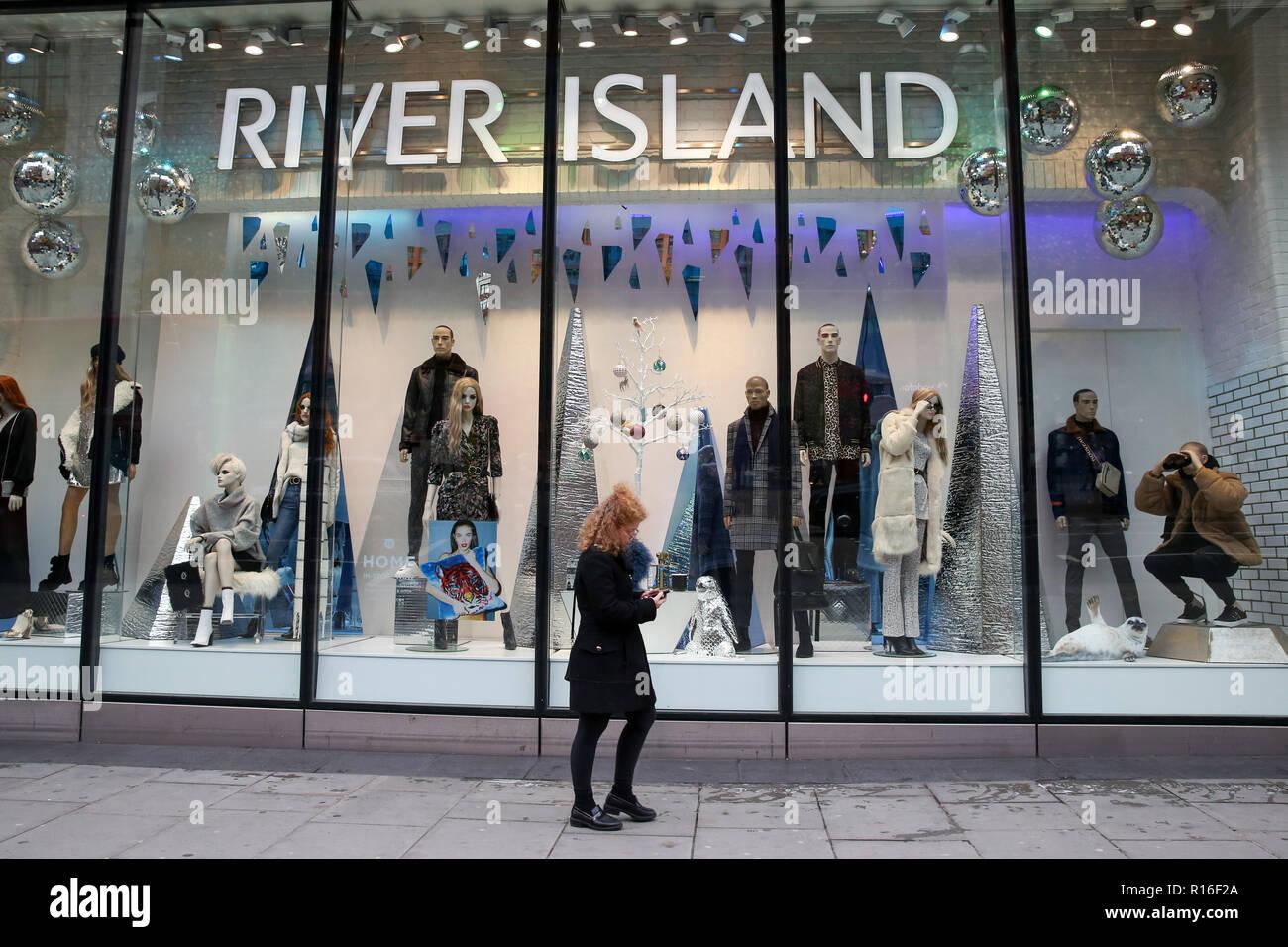 London, UK  9th Nov, 2018  Shoppers are seen outside River