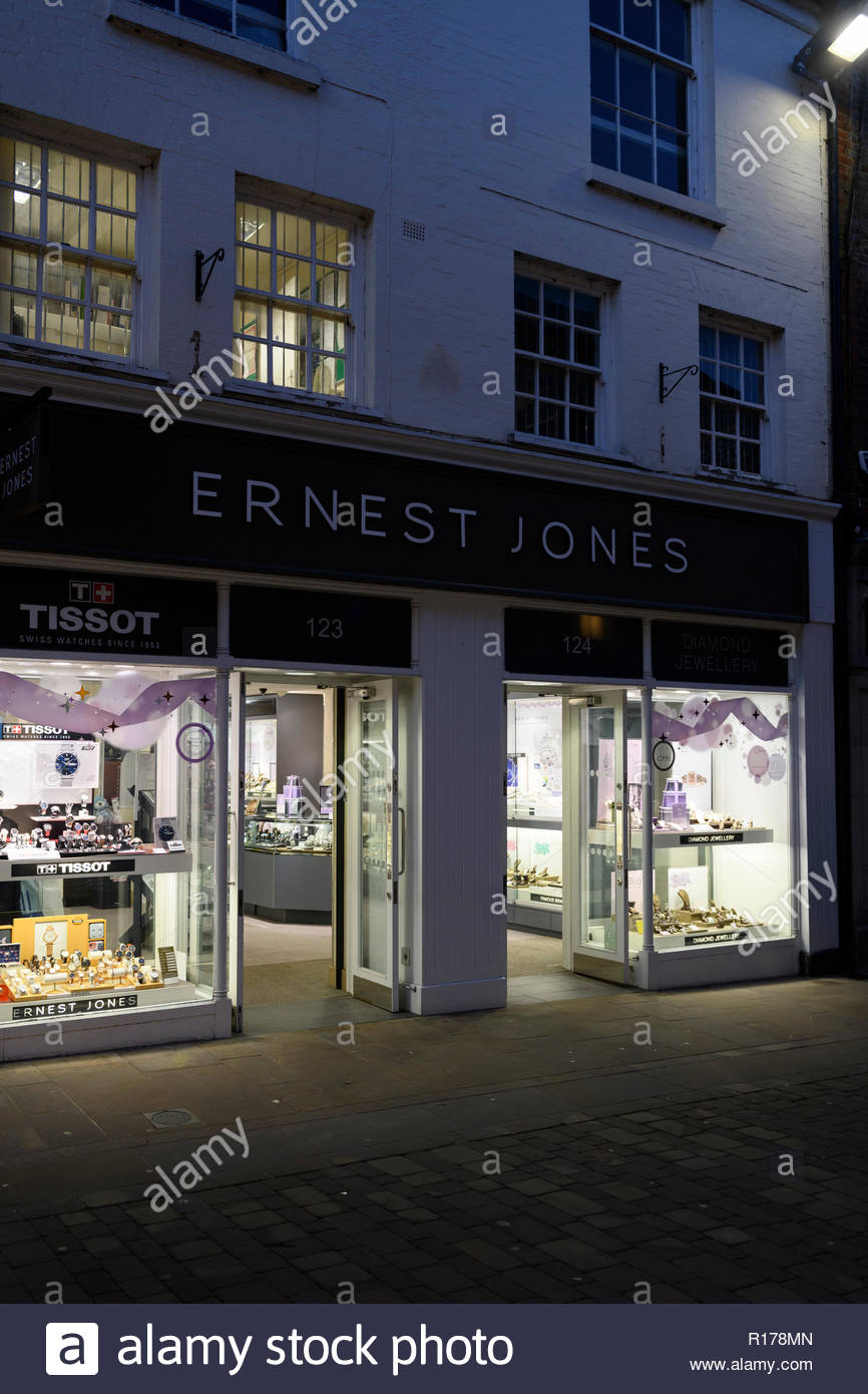 Ernest Jones shop front, High St, Winchester, Hampshire, England, UK Stock Photo