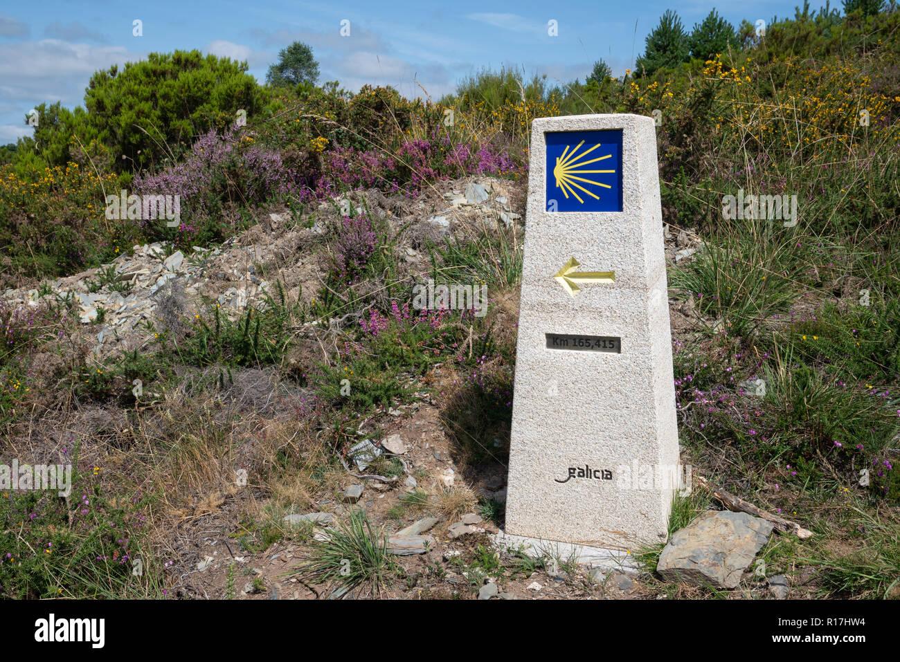 Waymark along the Camino Primitivo, Spain, Europe - Stock Image