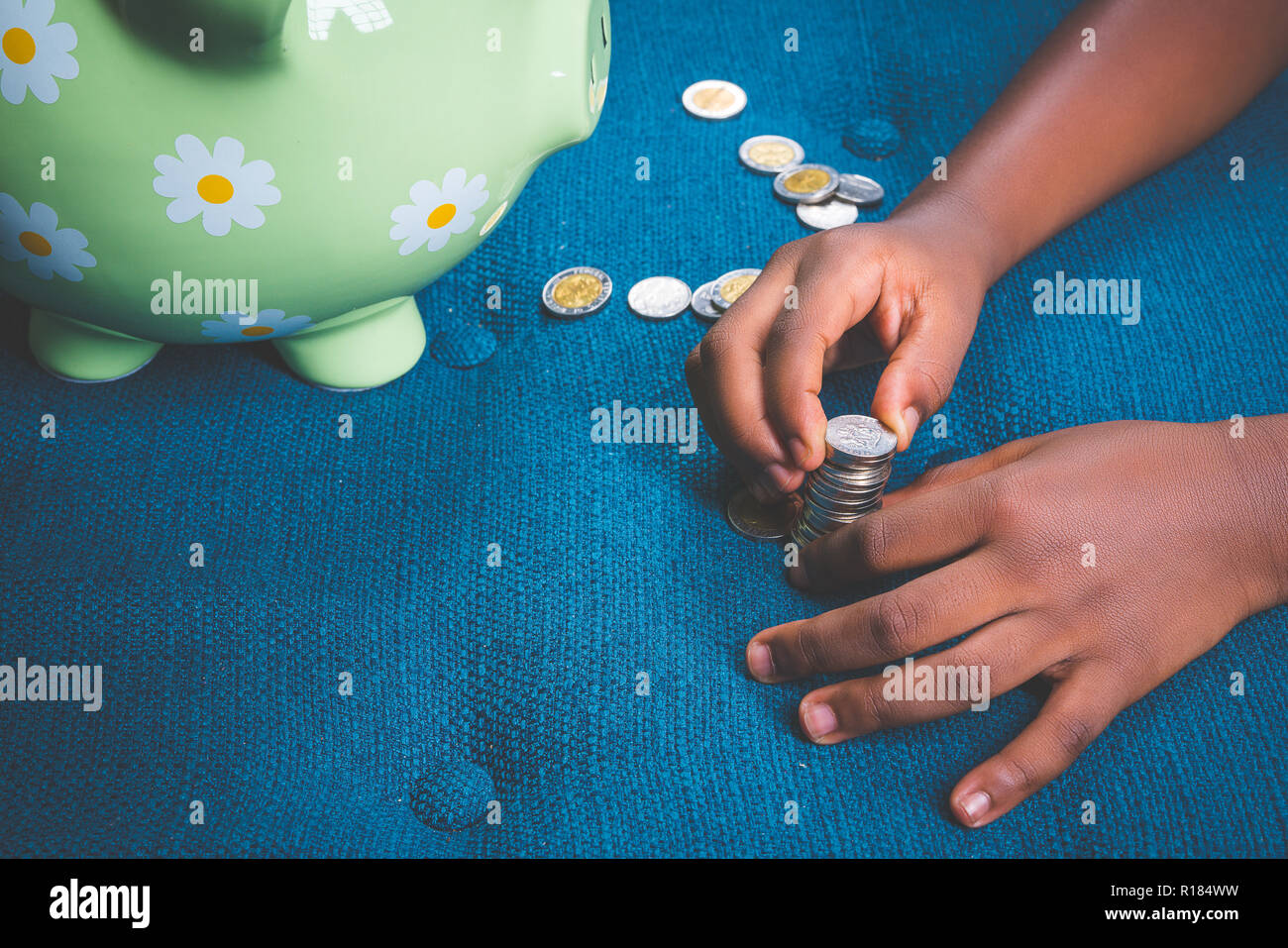 Nigerian Girl Stock Photos & Nigerian Girl Stock Images - Alamy