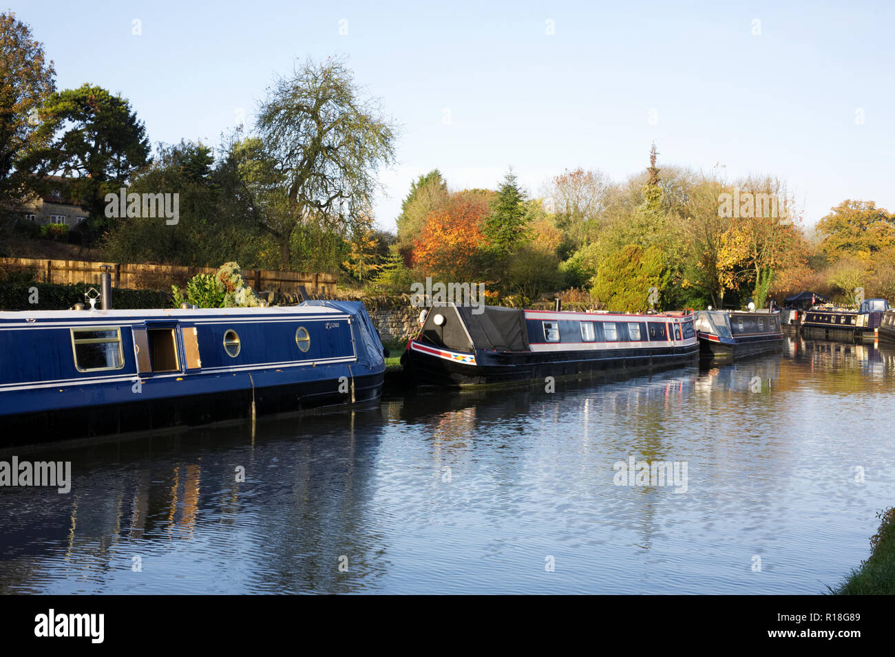 The Grand Union canal at Stoke Bruerne. - Stock Image