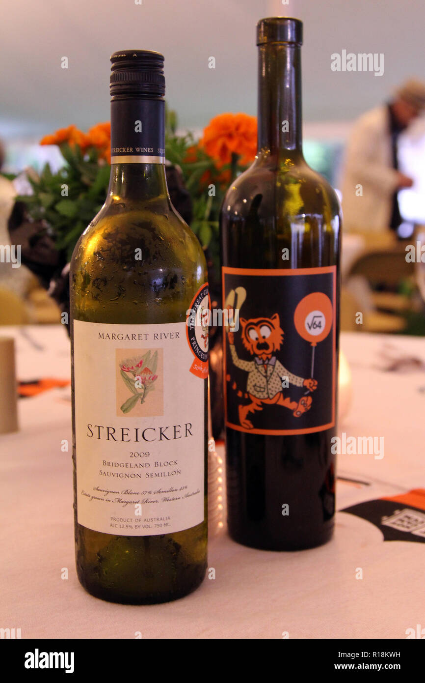 Custom wine bottles for Princeton University Class of 1964 alumni reunion, Princeton, NJ - Stock Image