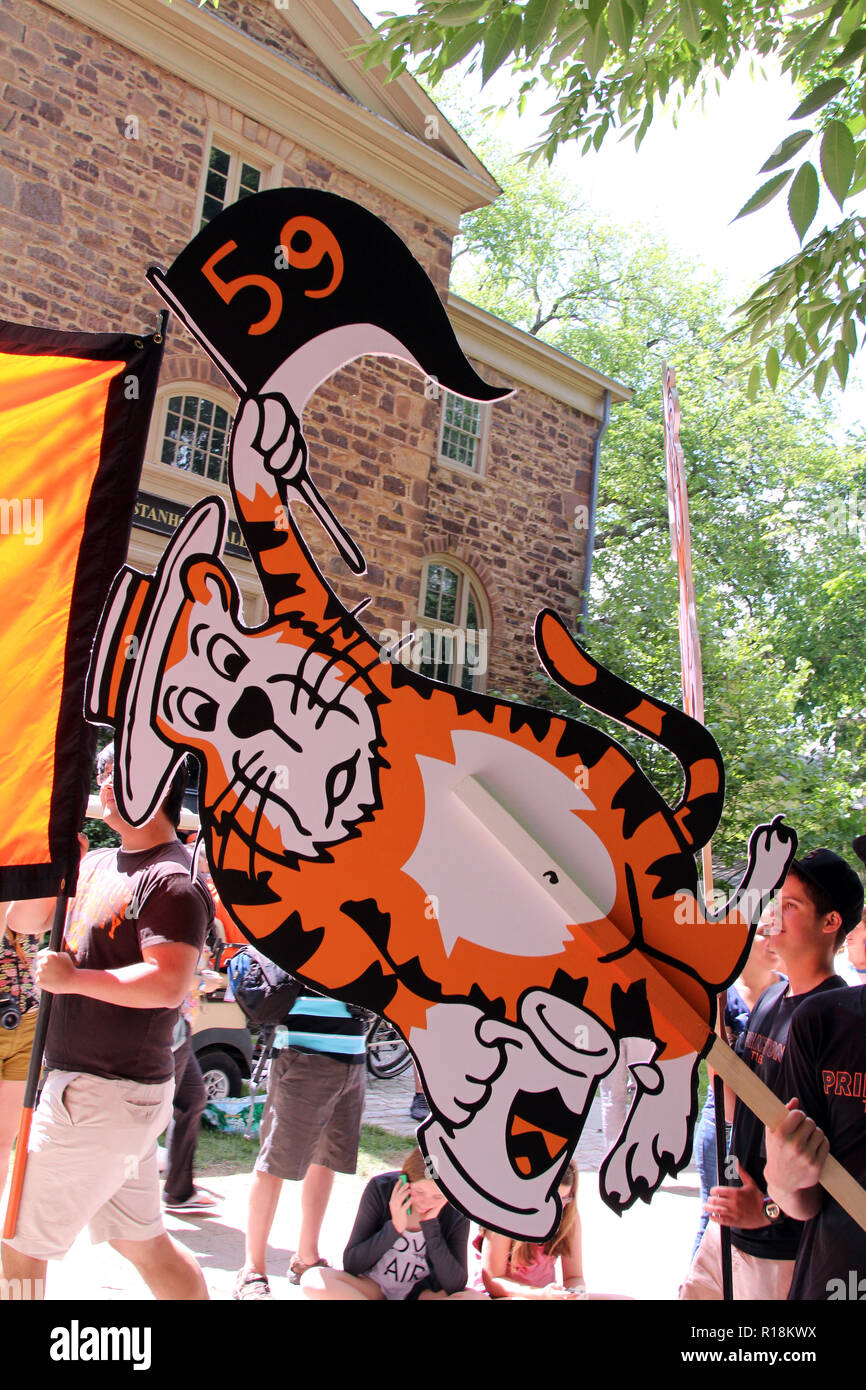 Tiger caricature for Class of 1959 at Princeton University alumni reunion parade, 2014, Princeton, NJ - Stock Image