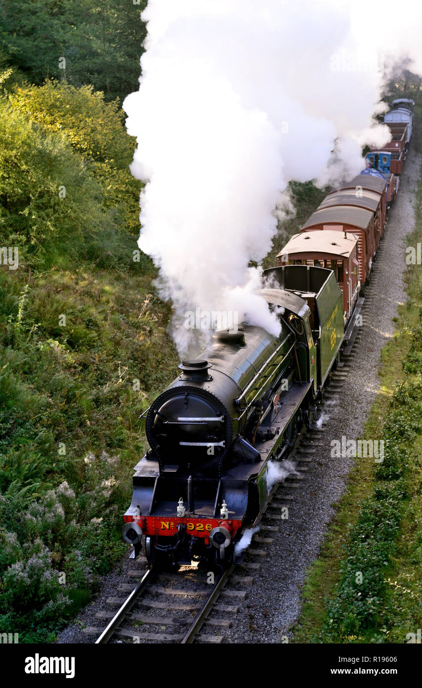 Southern V Class No 926 Repton, without smoke deflectors, hauling a freight at Darnholm on the North Yorkshire Moors Railway. - Stock Image