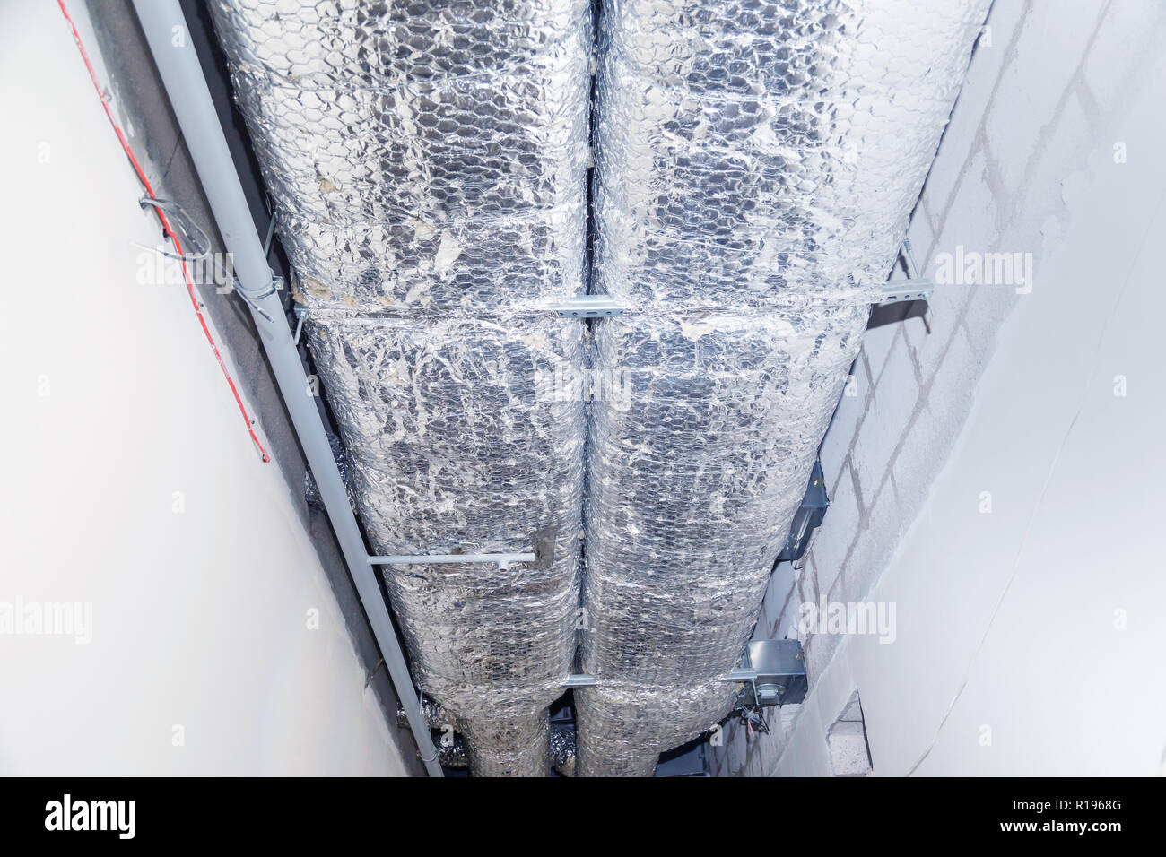 Hvac Duct Stock Photos & Hvac Duct Stock Images - Alamy