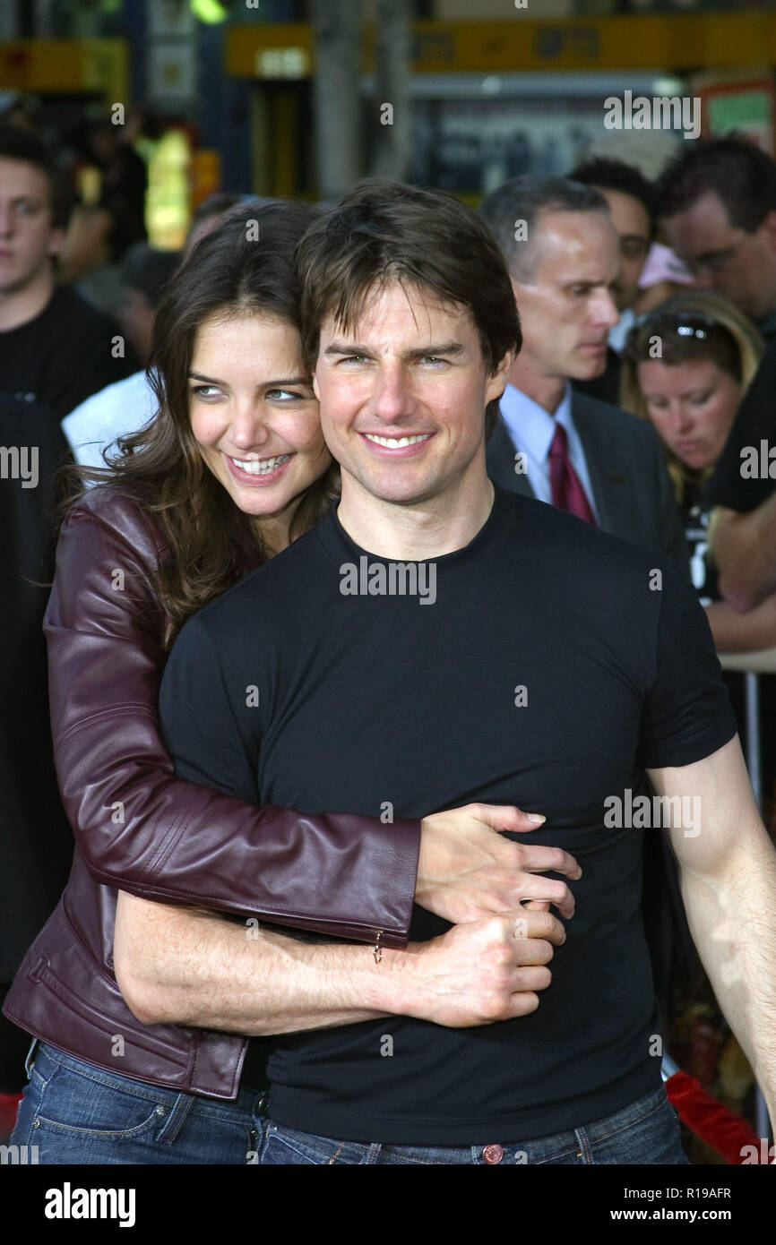 Katie Holmes, Tom Cruise    06/27/05 WAR OF THE WORLDS @ Grauman's Chinese Theatre, Hollywood Photo by Ima Kuroda/HNW / PictureLux  (June 27, 2005) - Stock Image