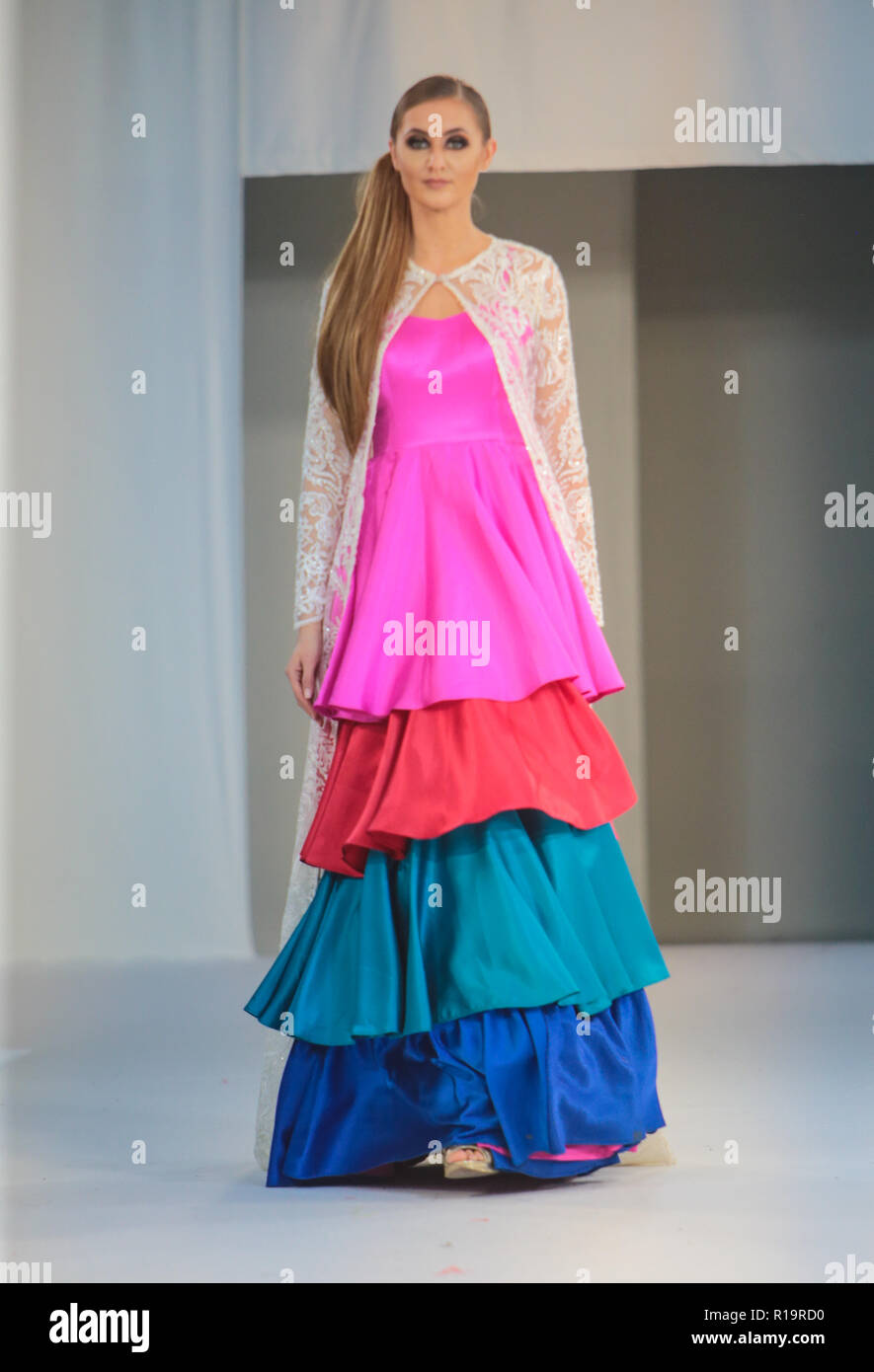 f37a0ee9227c Latest Indian Style Dresses 2018