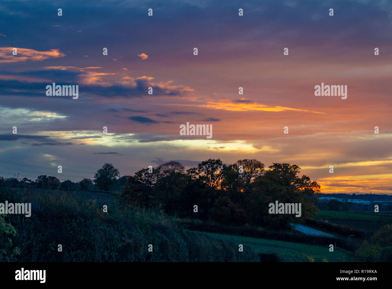 Northampton, UK. Weather10th November 2018. Stormy and colourful skies over Northamptonshire late afternoon, Credit: Keith J Smith./Alamy Live News - Stock Image