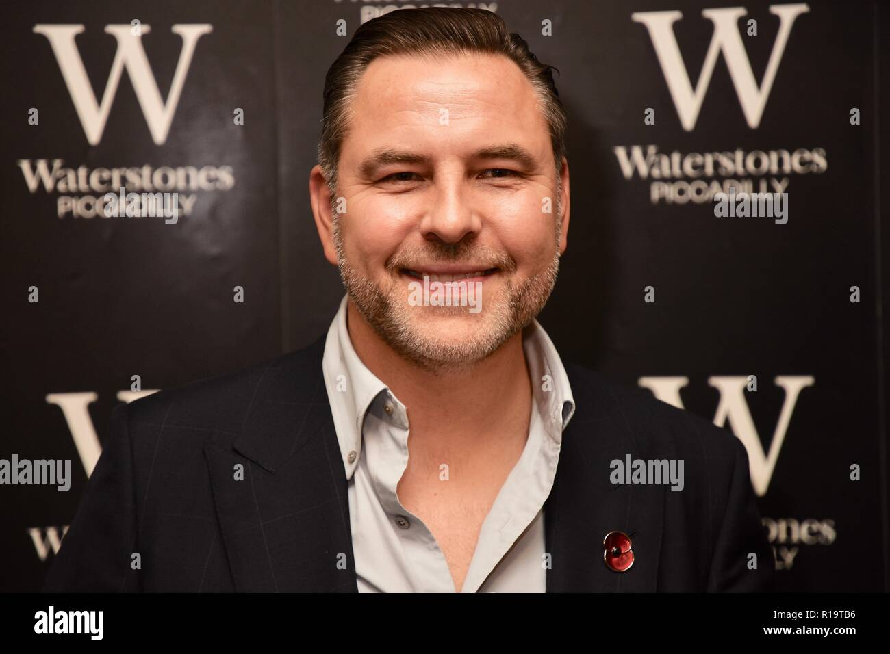 """London, UK. 10th Nov, 2018. David Walliams, Presscall and Booksigning for his newest novel """"The Ice Monster"""",Waterstones Piccadilly,203-206 Piccadilly,London.UK Credit: michael melia/Alamy Live News Stock Photo"""