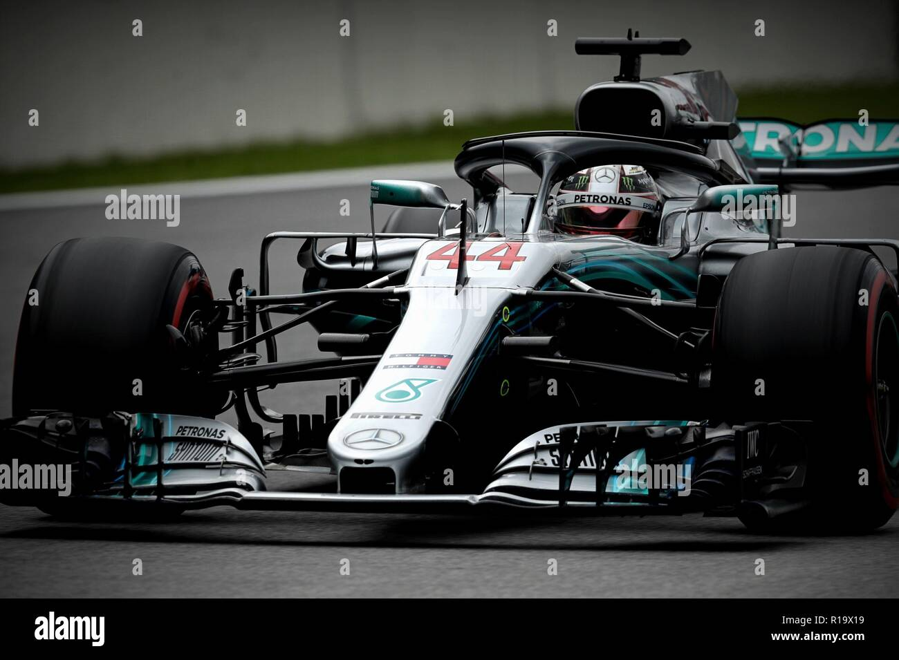 British driver Lewis Hamilton (Mercedes) during the qualifying test for the Brazilian Grand Prix, in Sao Paulo, Brazil, 10 November 2018. Hamilton (Mercedes) will start first on Sunday in the Brazilian Grand Prix, the penultimate of the year, which takes place at the Interlagos circuit, in Sao Paulo. Hamilton signed his tenth pole of the season and raised to 82 his own record of first positions on the grid in the premier category of motorsport by covering the 4,309 meters of the track of the Jose Carlos Pace Autodrome in one minute, seven seconds and 281 thousandths, 93 less than the German Se - Stock Image