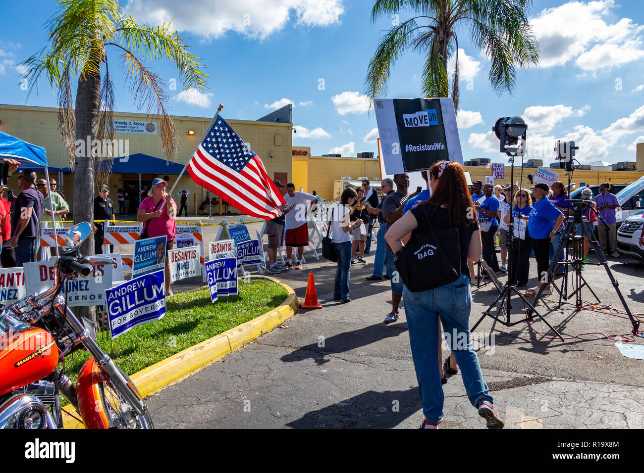 Lauderhill, Florida, USA  10th Nov, 2018  A republican woman waves a